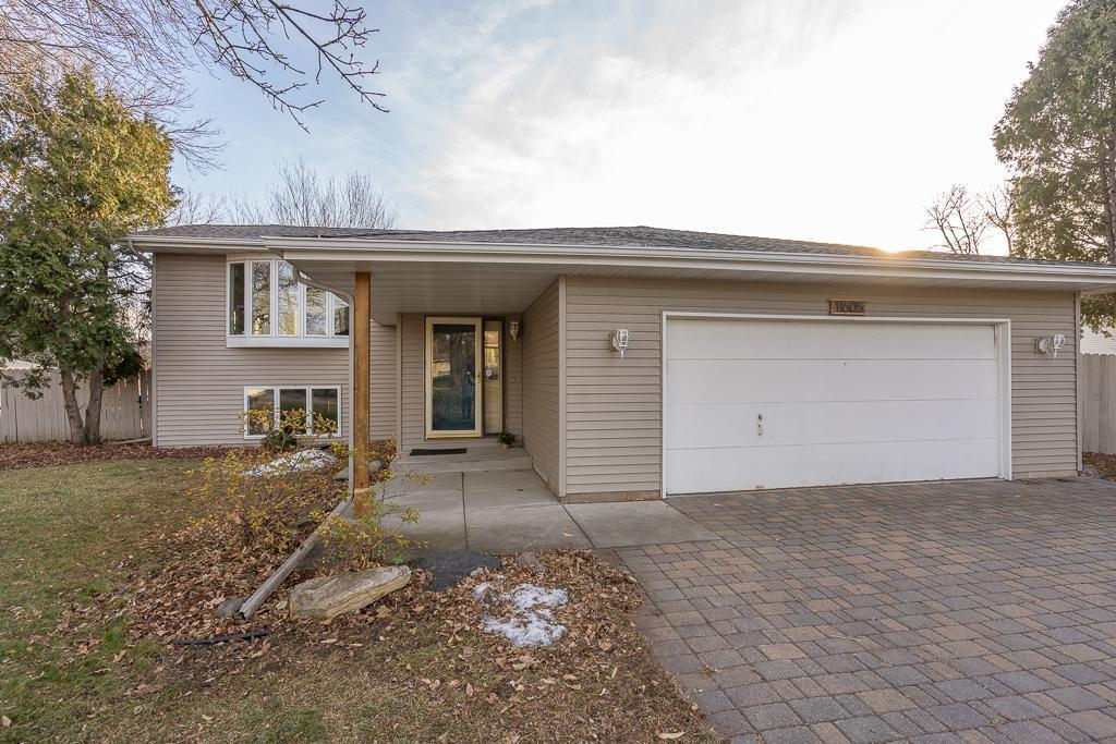 11605 49th Avenue N Property Photo - Plymouth, MN real estate listing