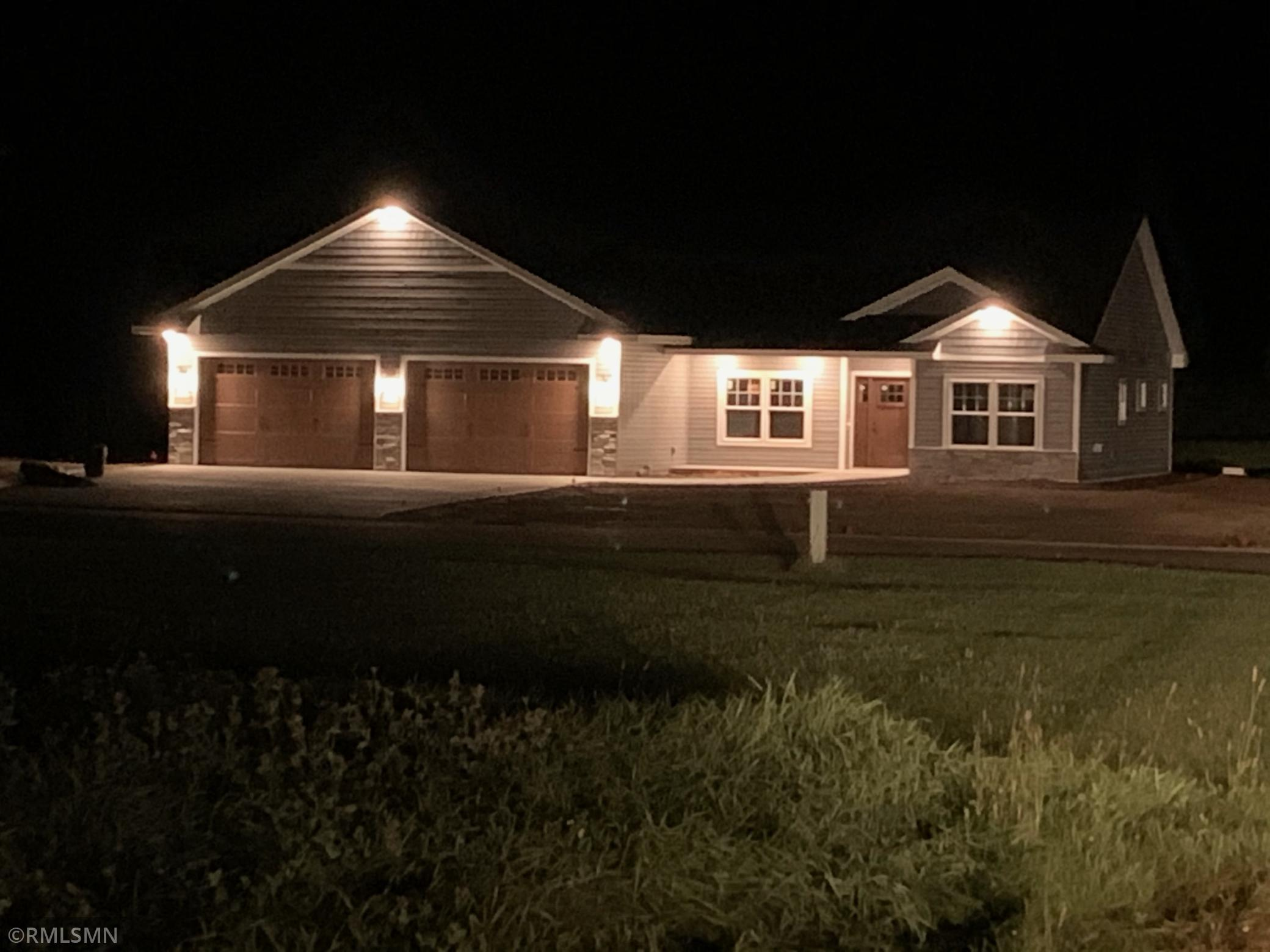 1875 Fairway Court Property Photo - Rush City, MN real estate listing