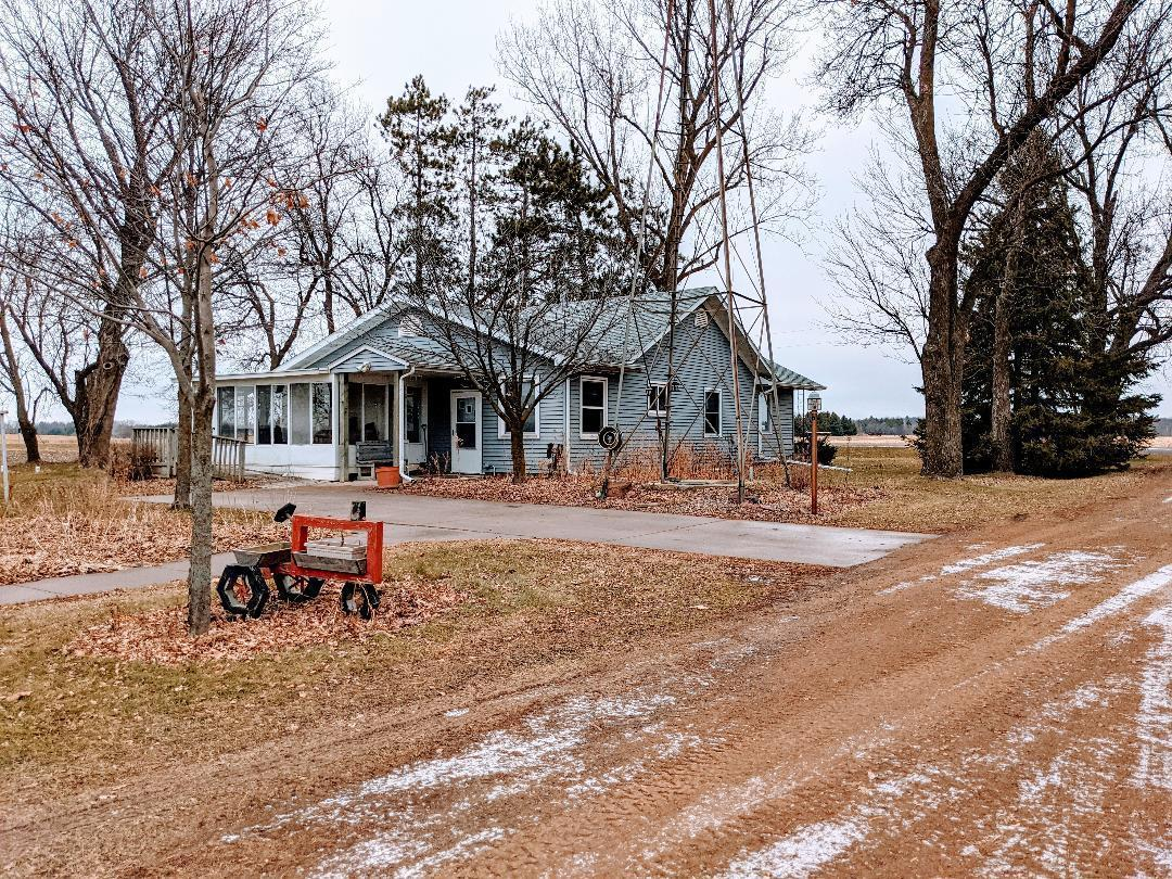 1063 20 3/4 Avenue Property Photo - Cumberland Twp, WI real estate listing