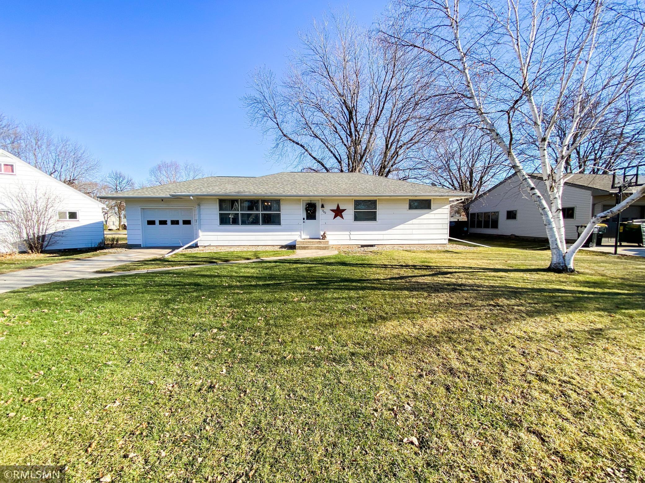 902 Park Street S Property Photo - Fairfax, MN real estate listing