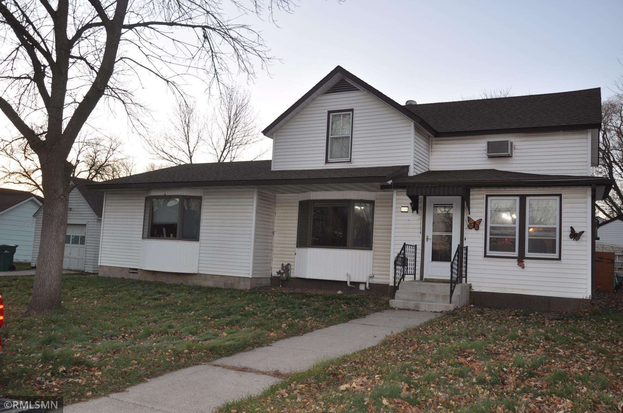 206 S 6th Street Property Photo - Le Sueur, MN real estate listing