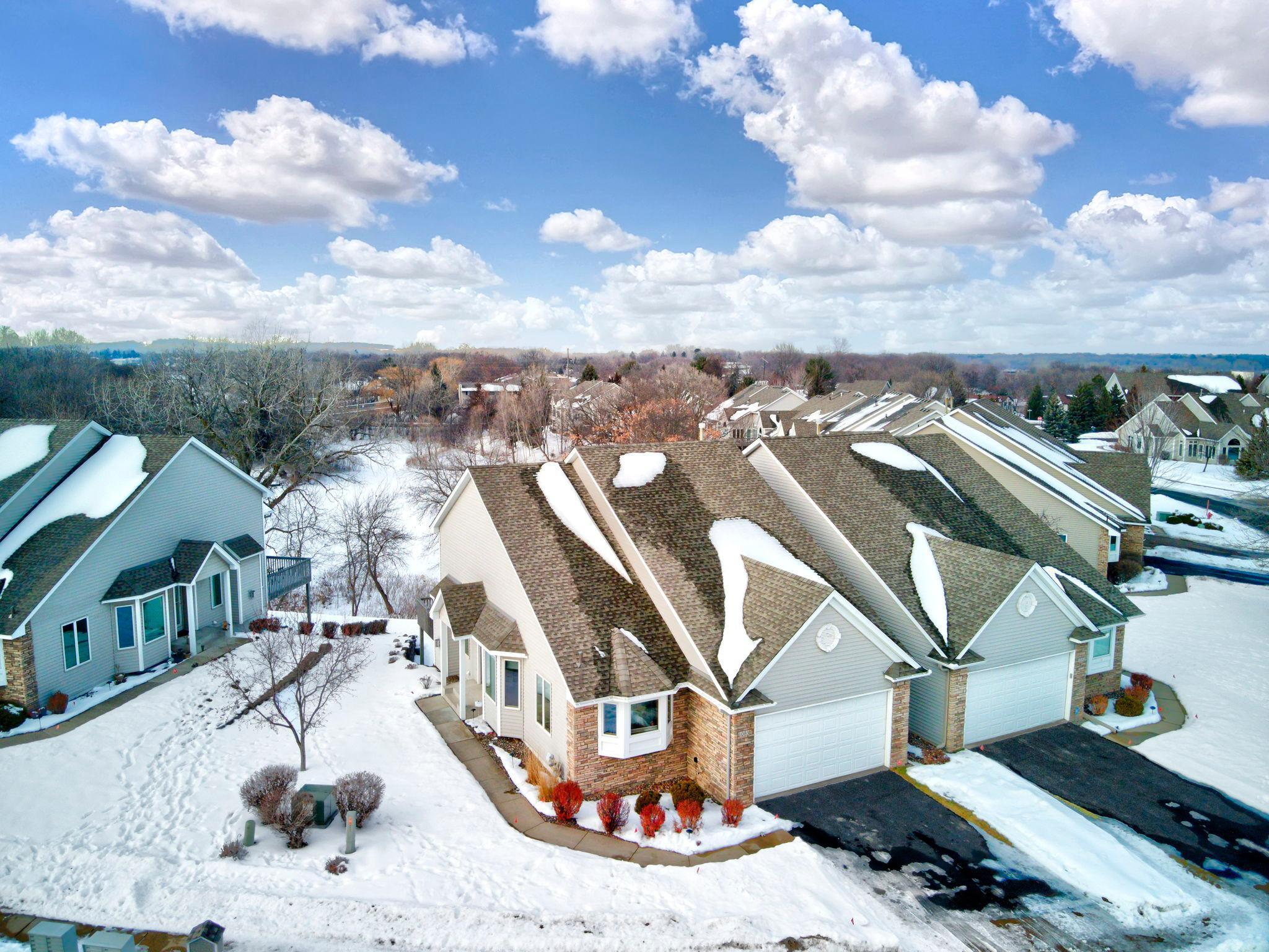 1083 Westcliff Curve Property Photo - Shoreview, MN real estate listing