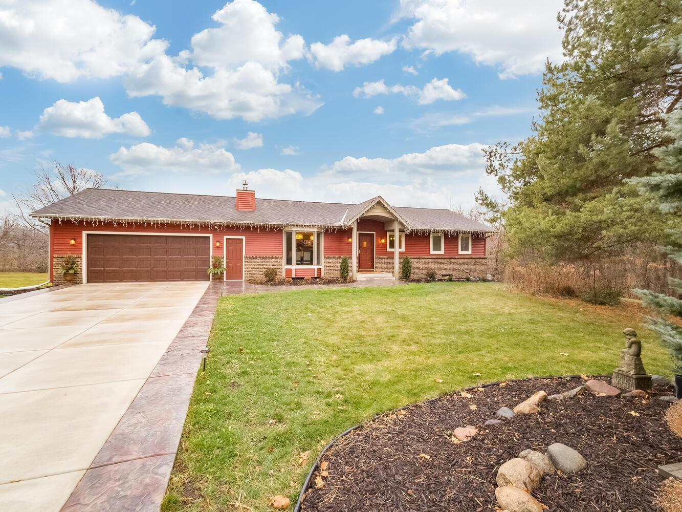 12675 Dodd Court Property Photo - Rosemount, MN real estate listing