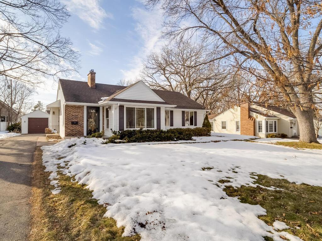 3115 Orchard Avenue N Property Photo