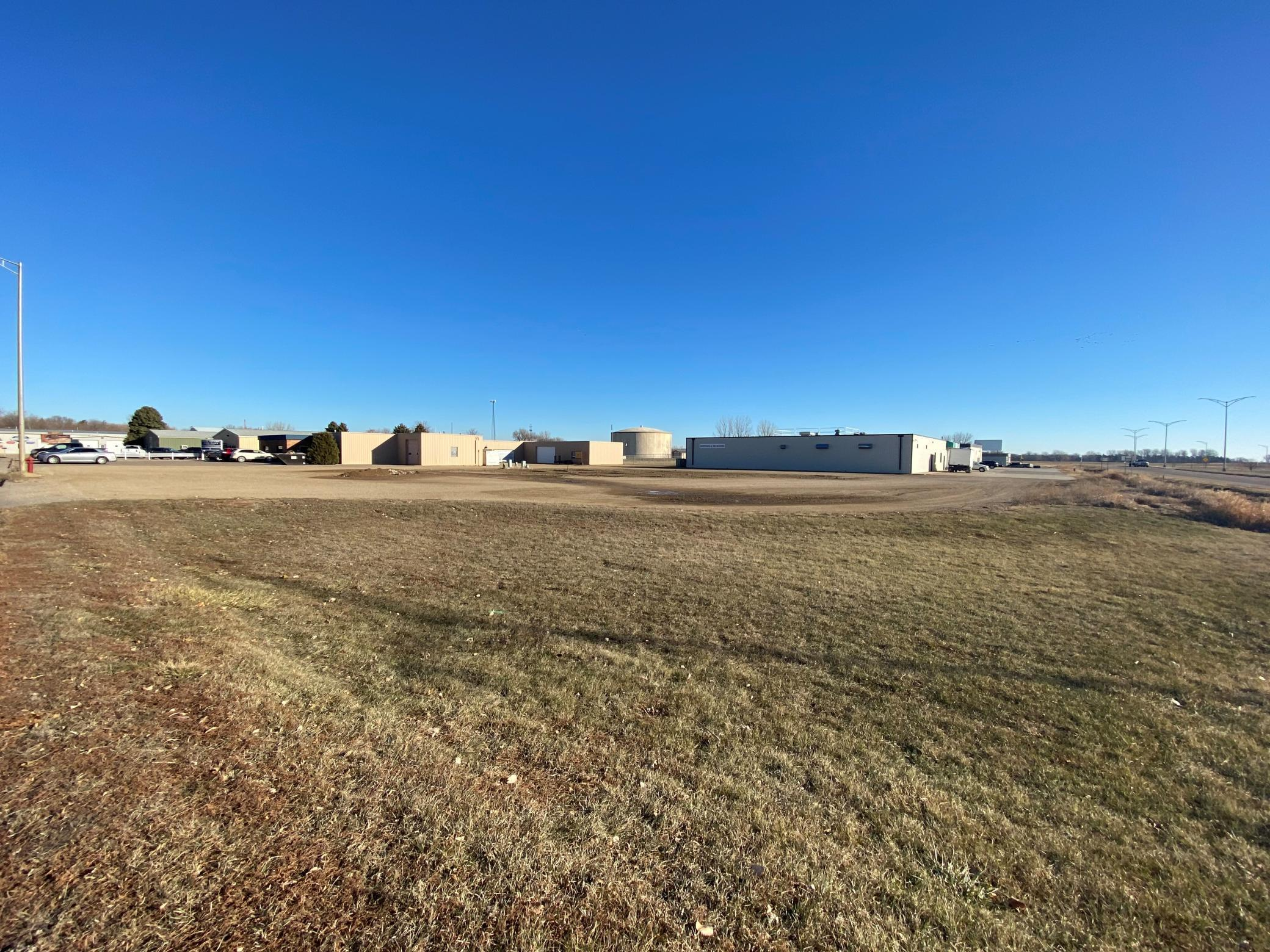 000 Gateway Drive E Property Photo - Worthington, MN real estate listing