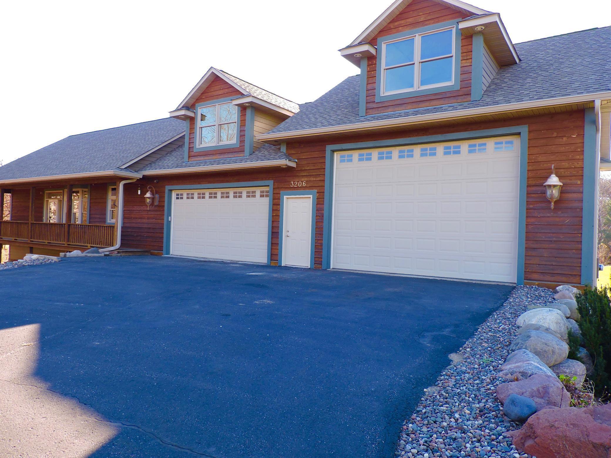 3206 144th Avenue NE Property Photo - Ham Lake, MN real estate listing