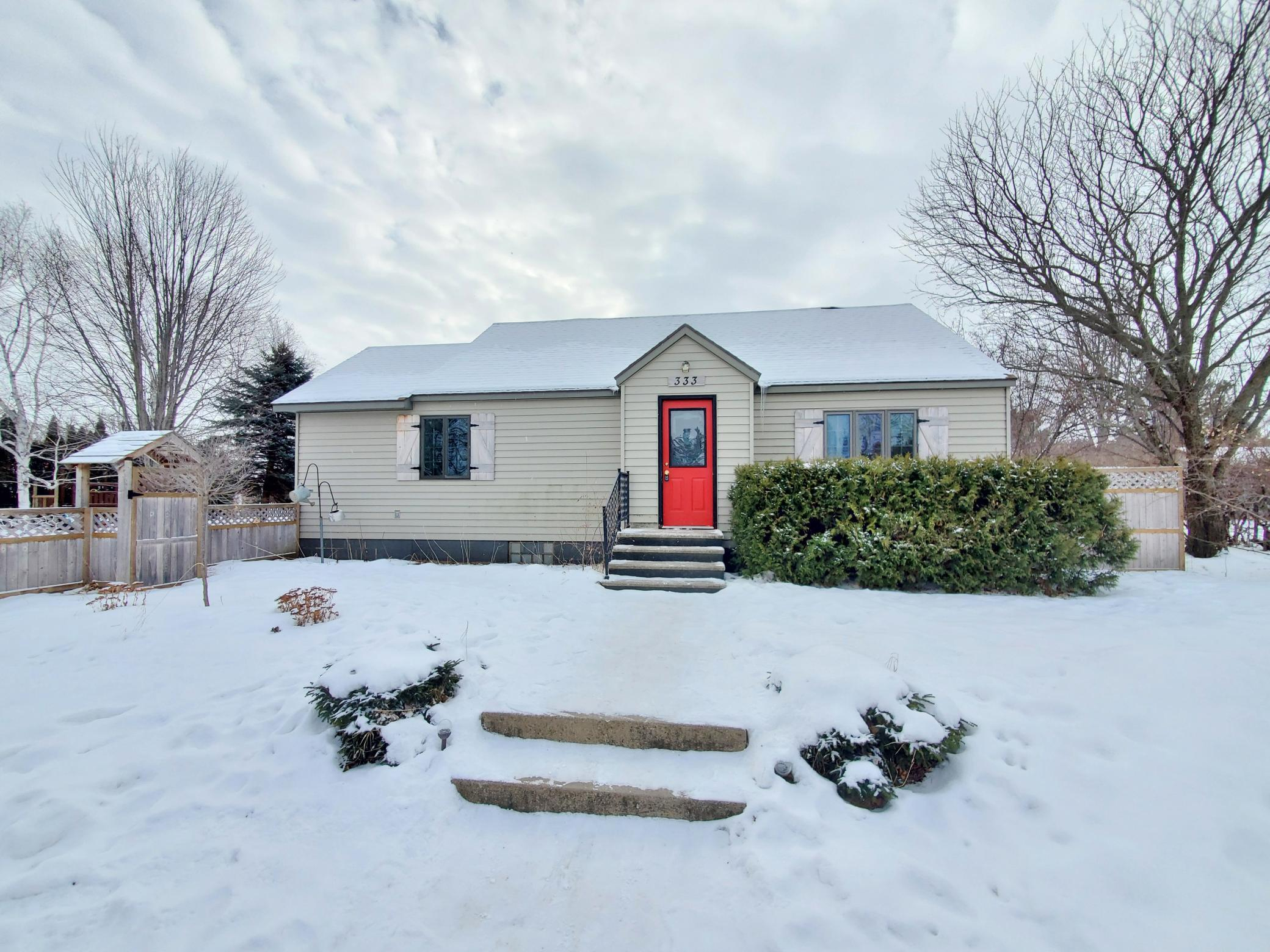 333 Fremont Street Property Photo - Bowlus, MN real estate listing