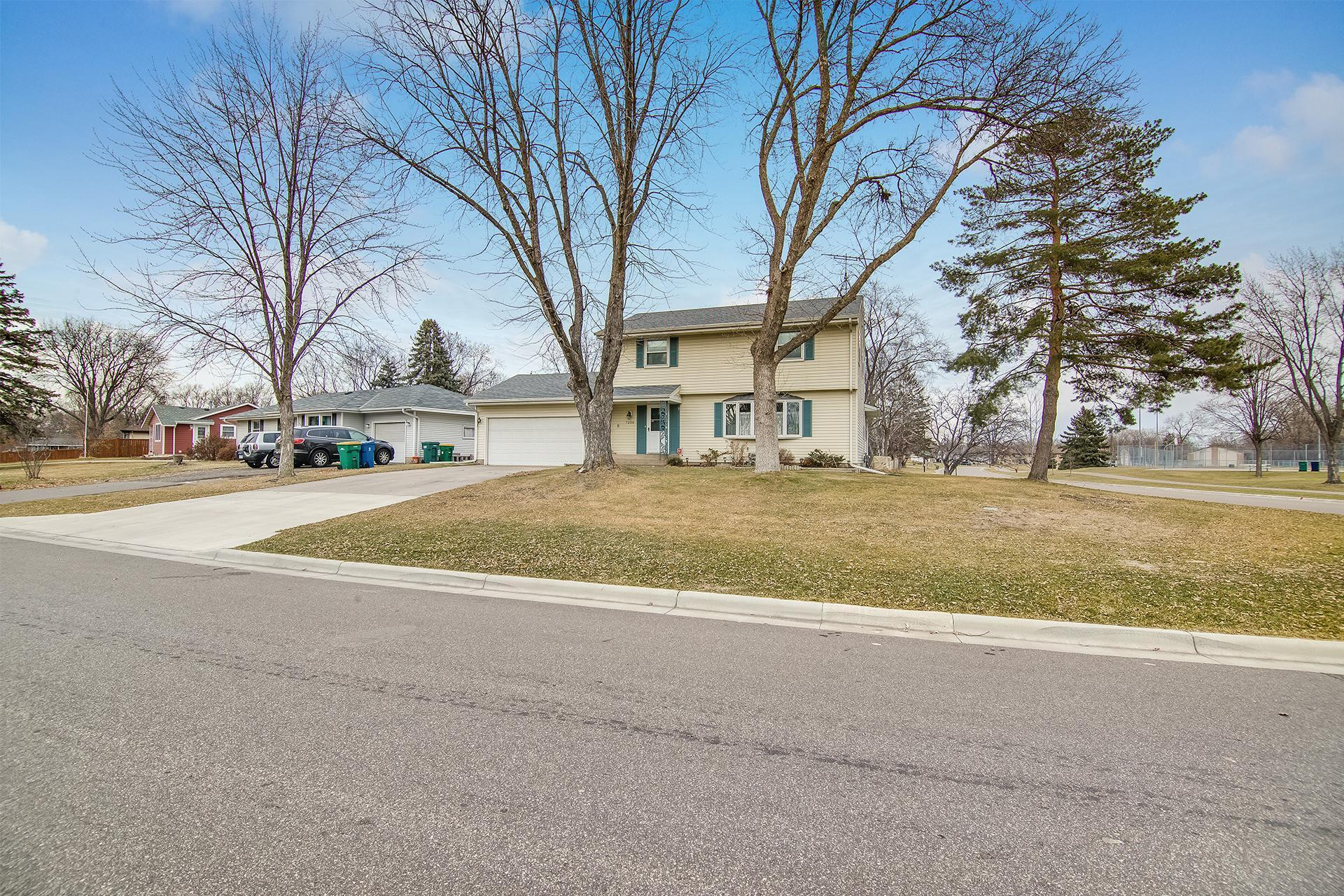 7200 Bryant Avenue N Property Photo - Brooklyn Center, MN real estate listing