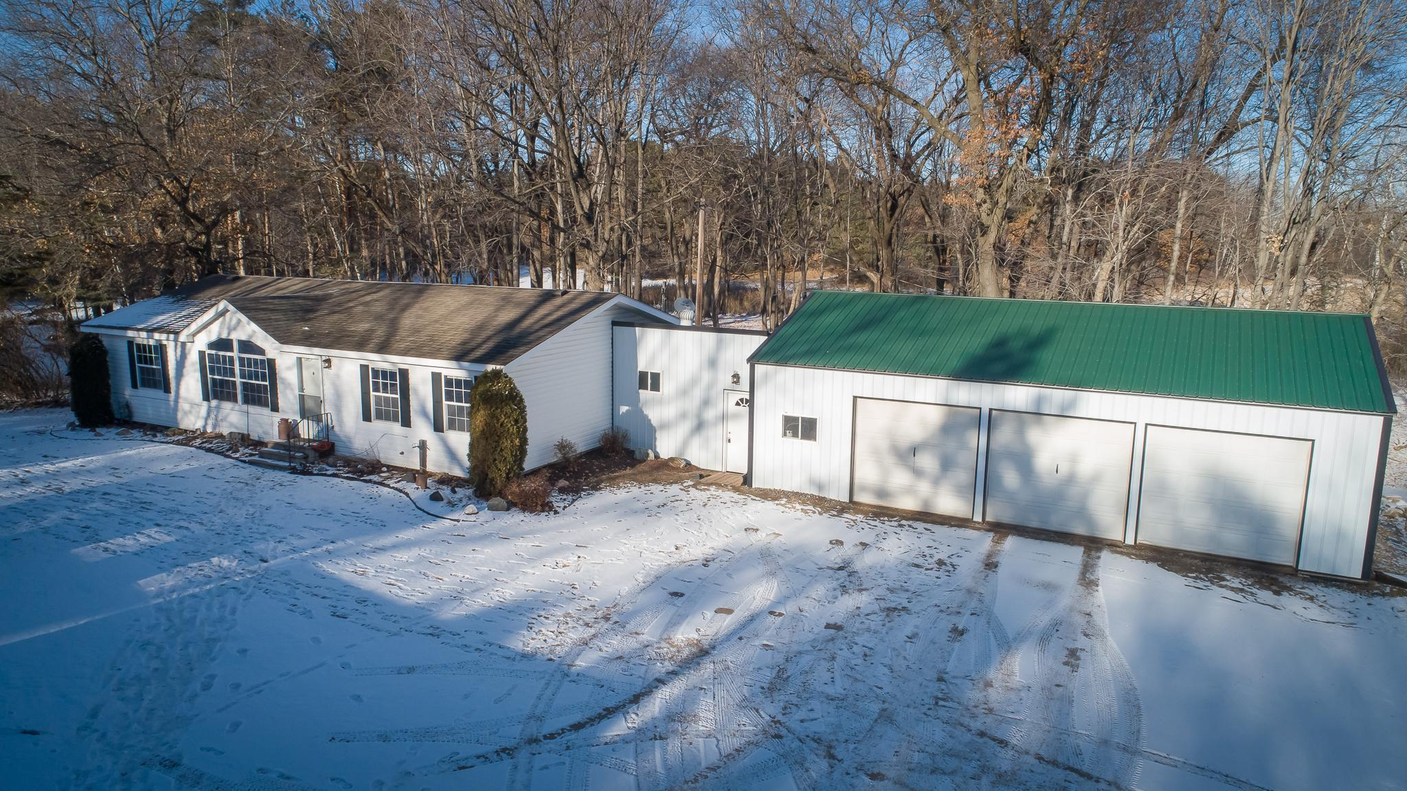 6092 337th Street Property Photo - Stacy, MN real estate listing