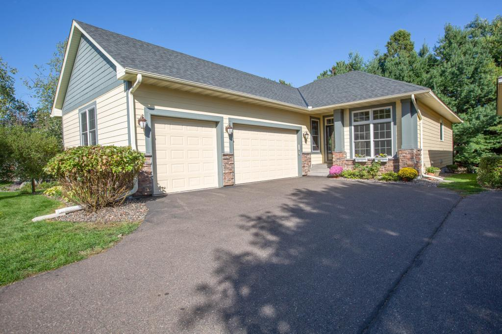 4752 Cumberland Street Property Photo - Shoreview, MN real estate listing