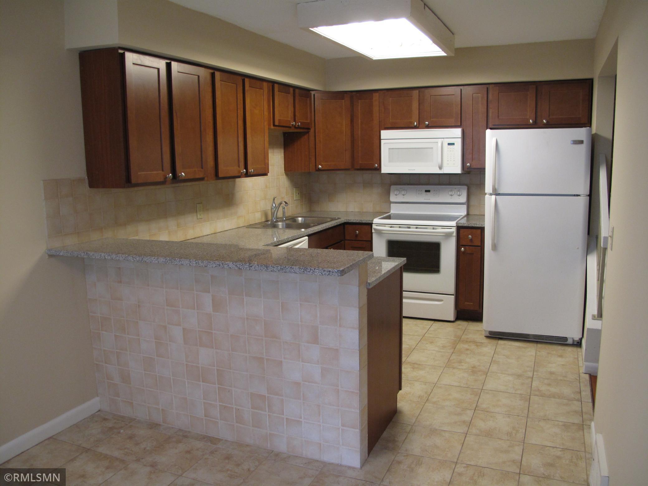 335 Elan Court Property Photo - Woodbury, MN real estate listing