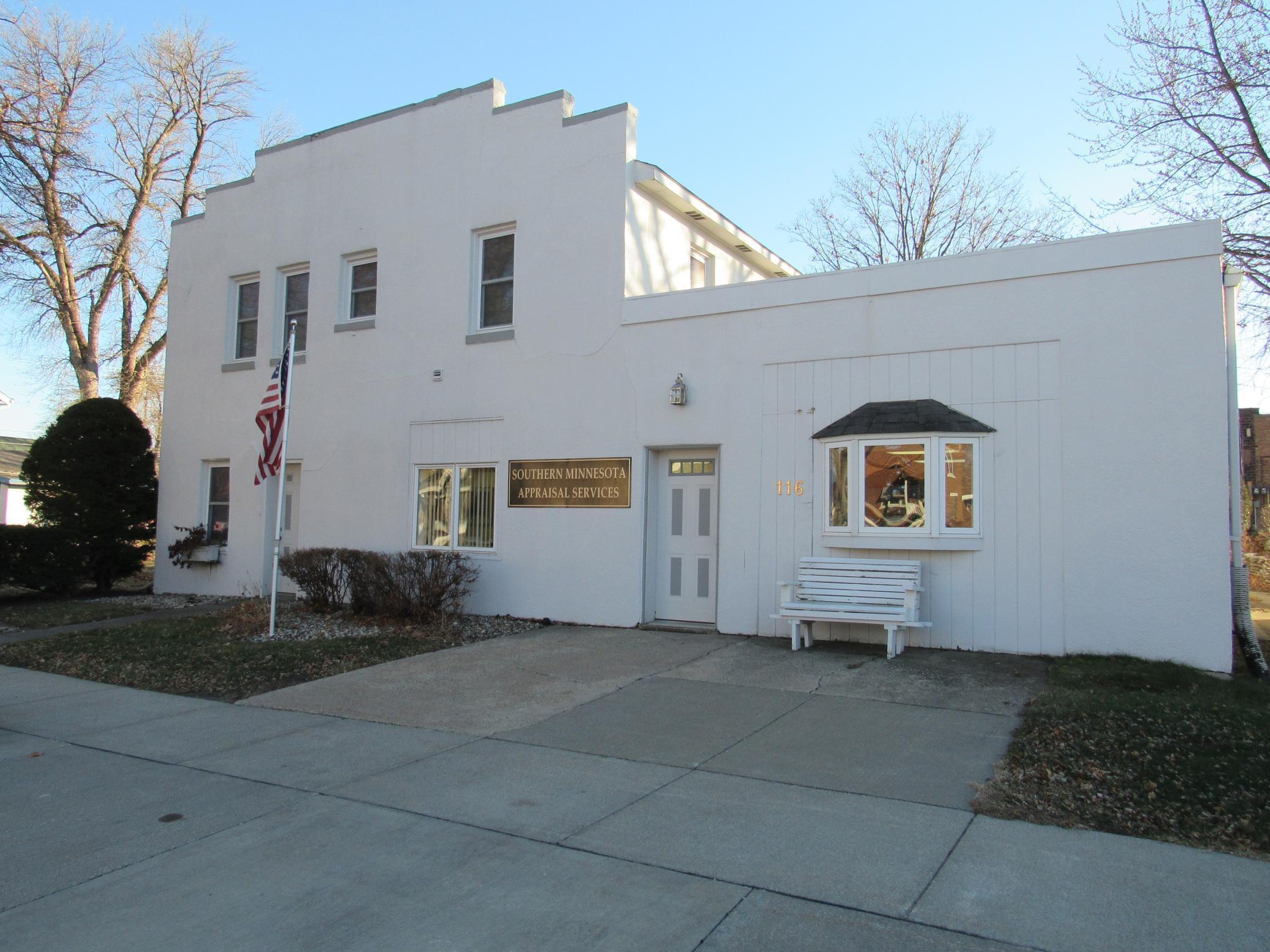 116 E 4th Street Property Photo