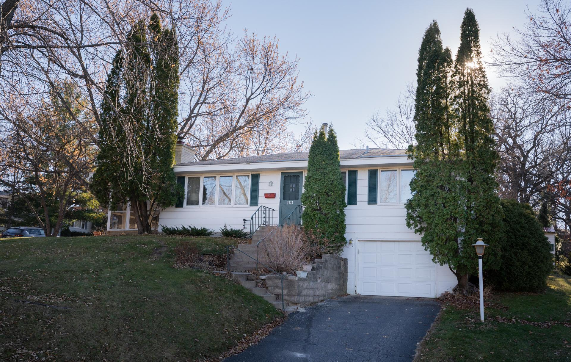 8524 Zenith Road Property Photo - Bloomington, MN real estate listing