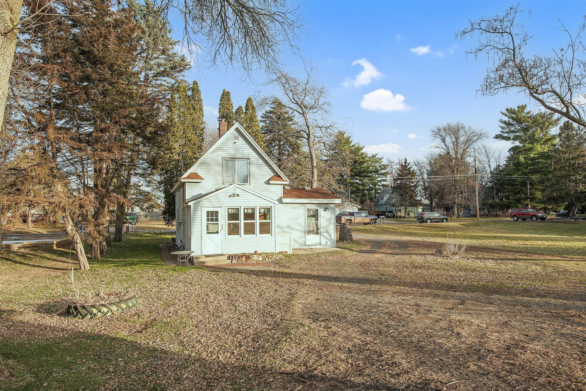 205 Broadway Street SE Property Photo - Isanti, MN real estate listing