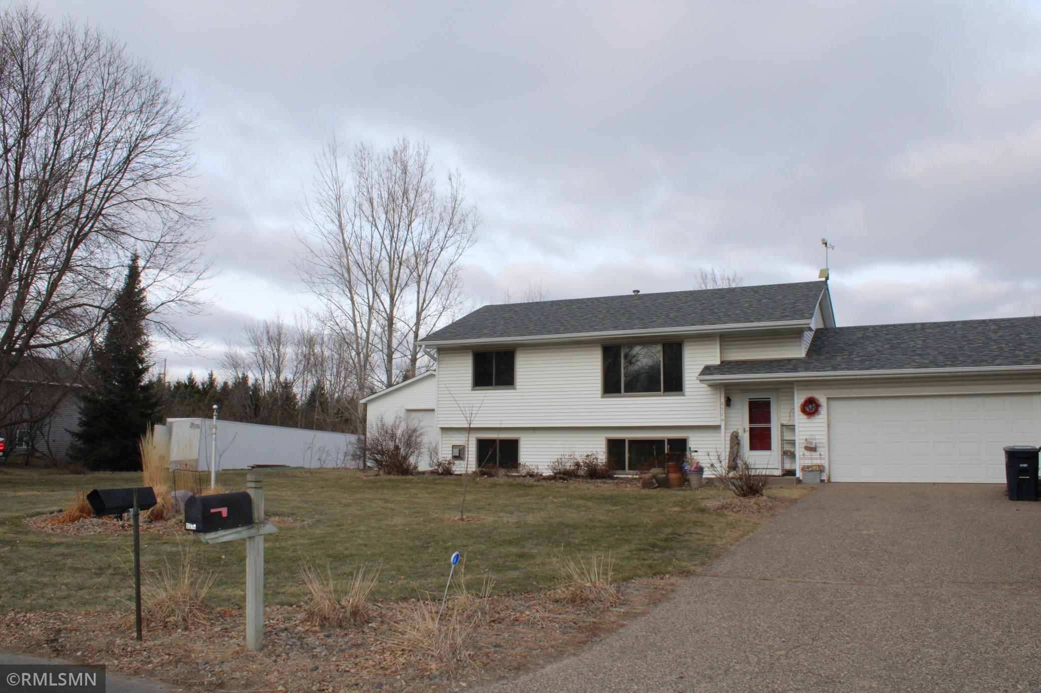 6374 258th Street Property Photo - Wyoming, MN real estate listing