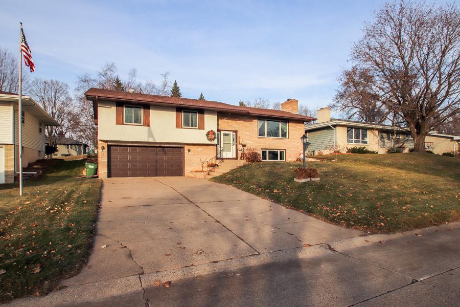 3209 Townview Avenue NE Property Photo - Saint Anthony, MN real estate listing