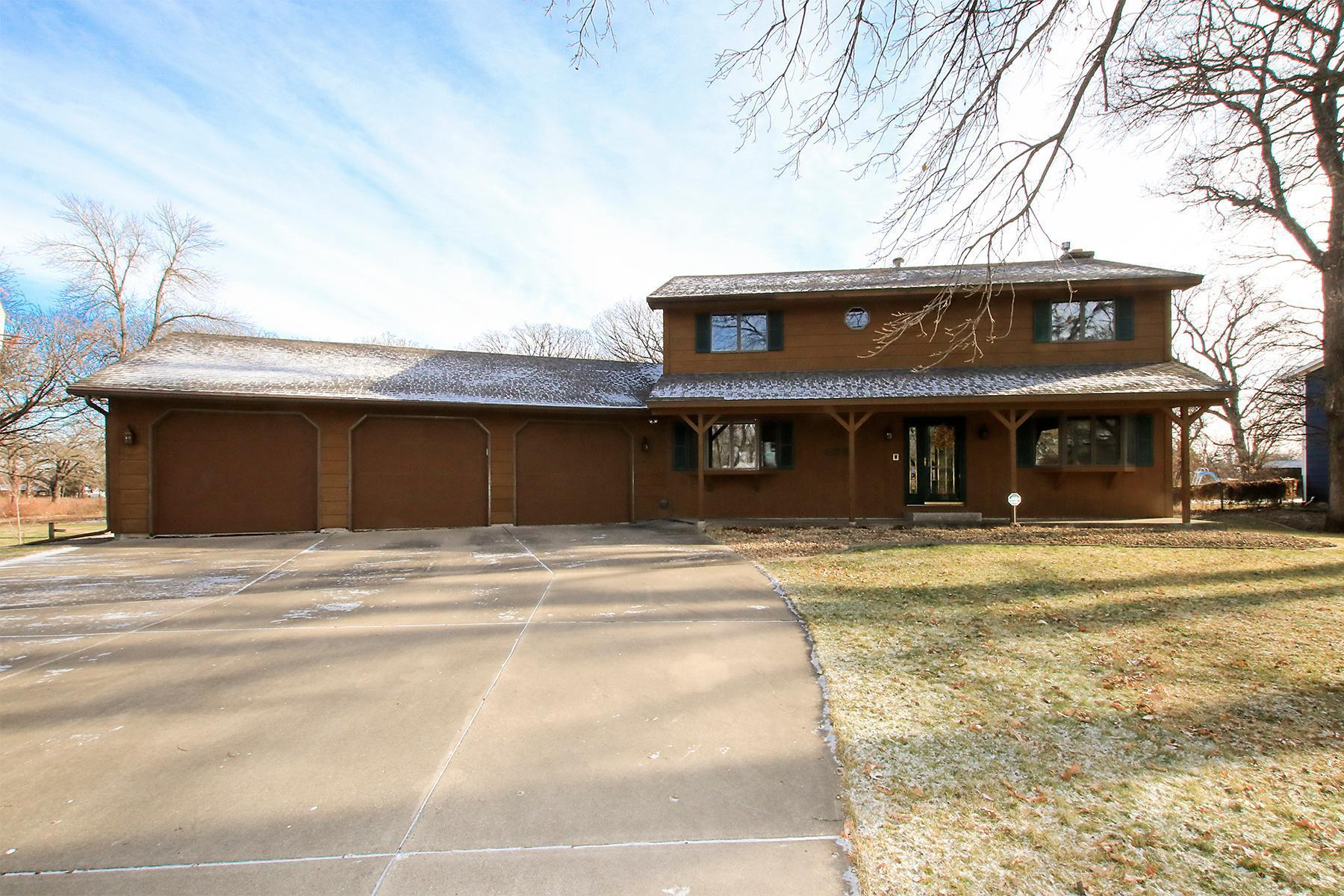 475 Shady Ridge Road NW Property Photo - Hutchinson, MN real estate listing