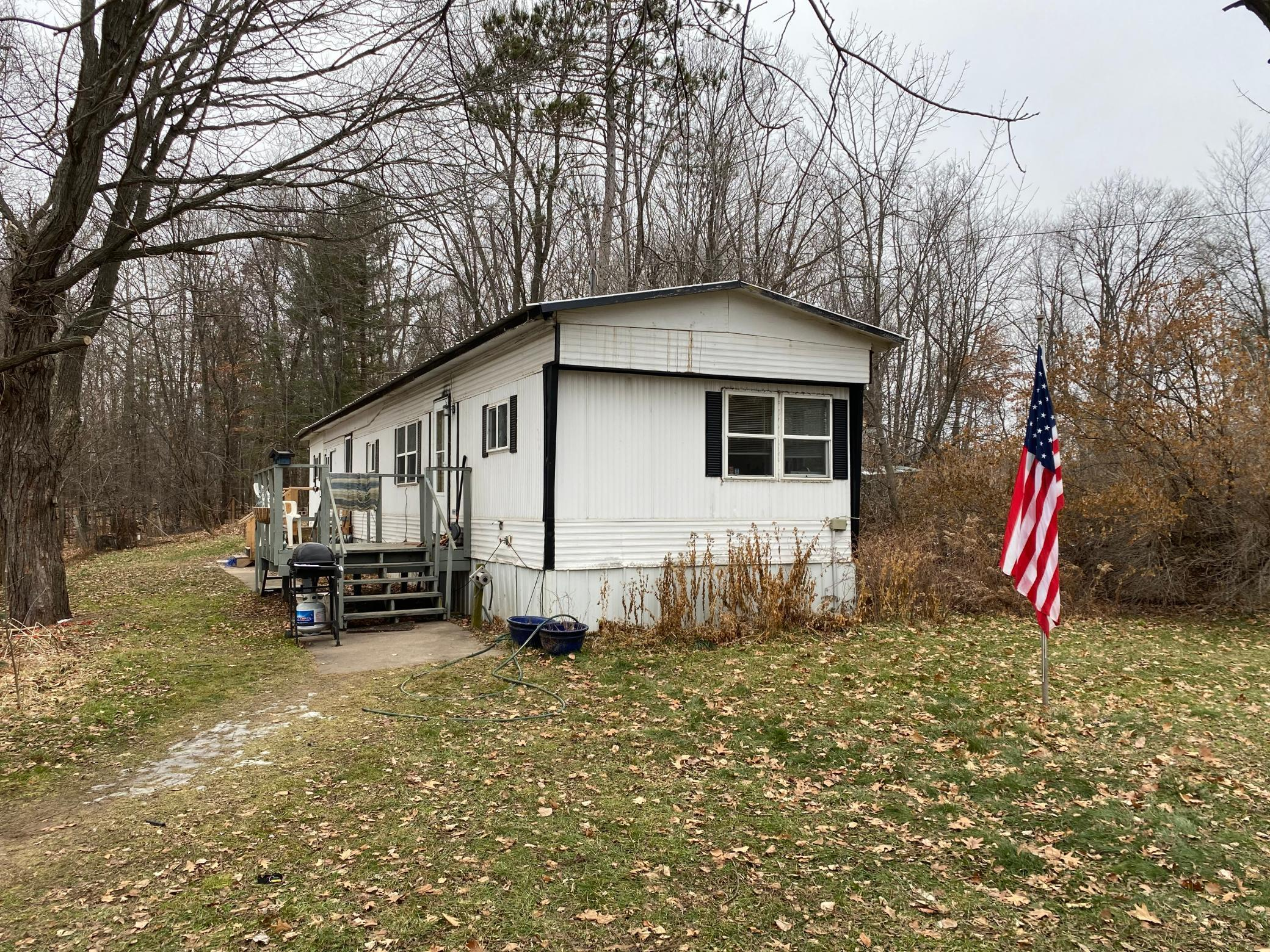 2396 4 1/2 Street Property Photo - Crystal Lake Twp, WI real estate listing