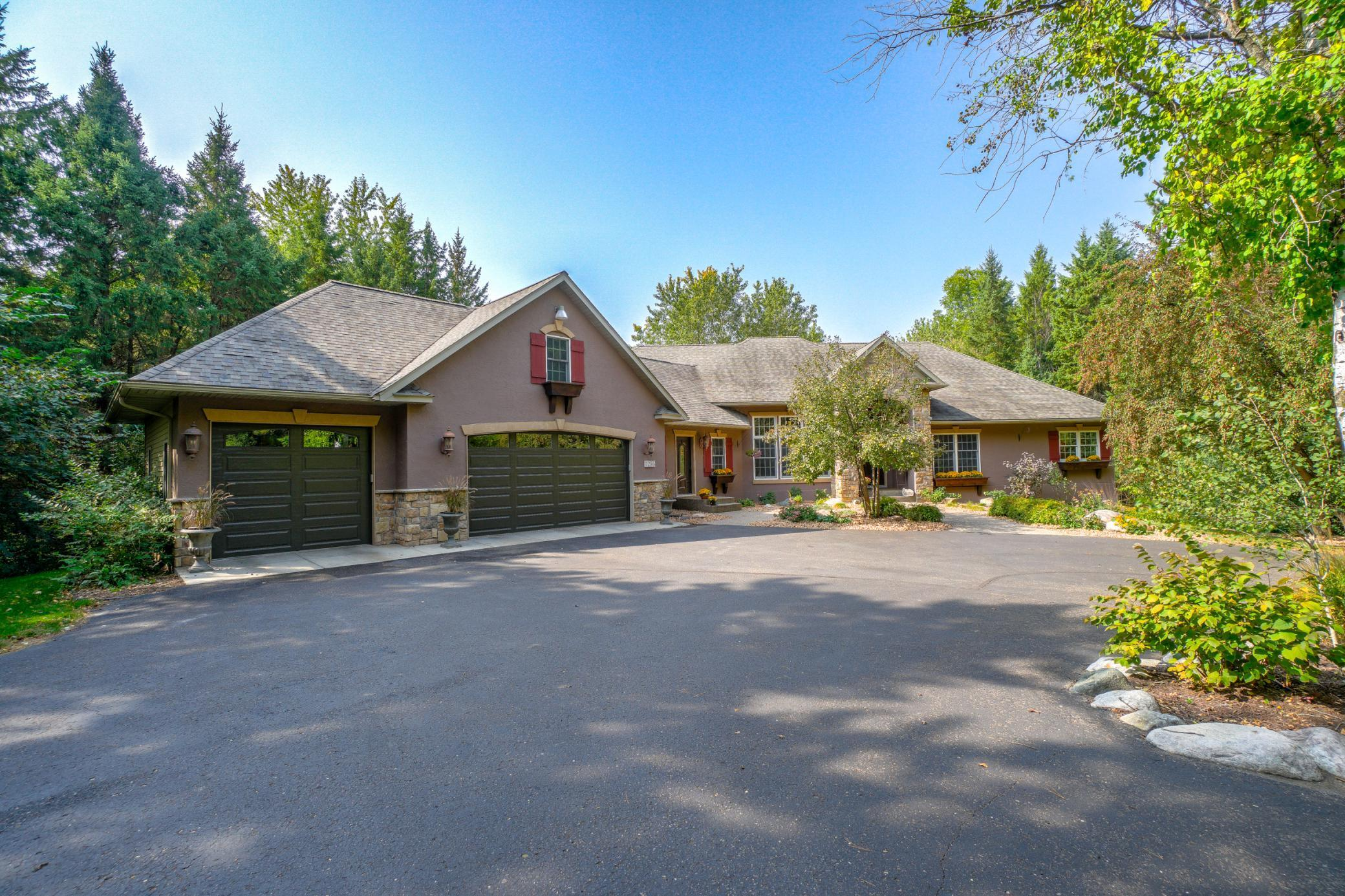 1286 89th Street Property Photo - New Richmond, WI real estate listing