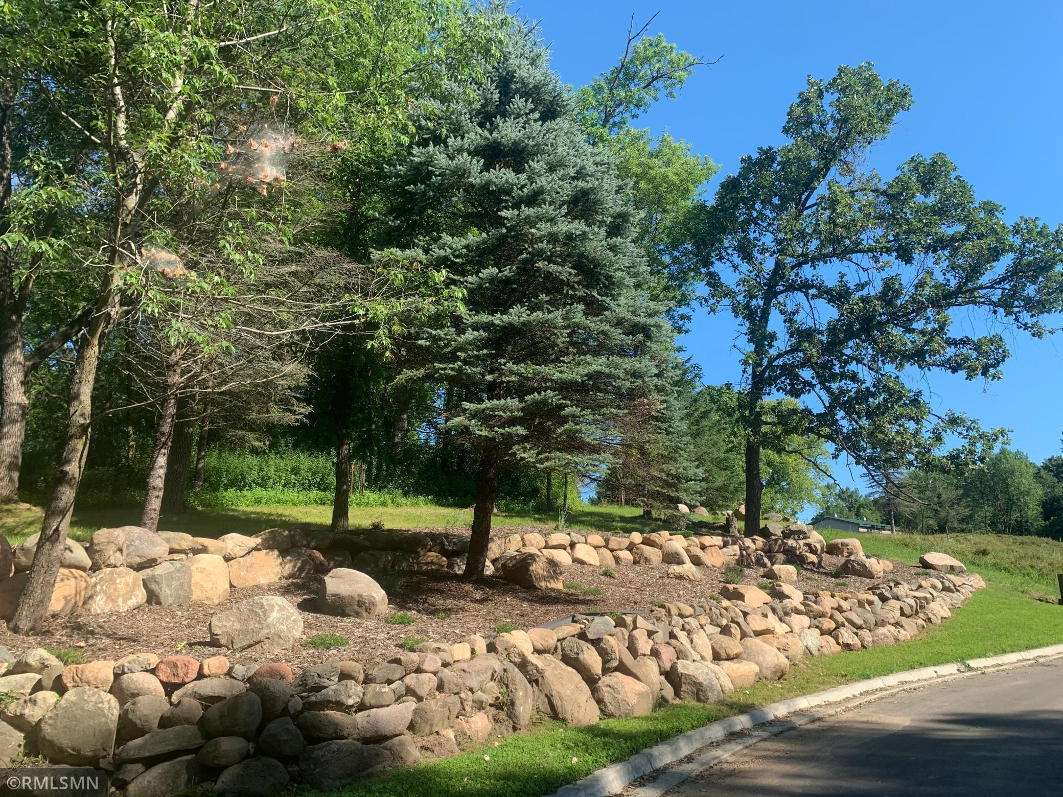 5671 Oakridge Trail S Property Photo - Afton, MN real estate listing