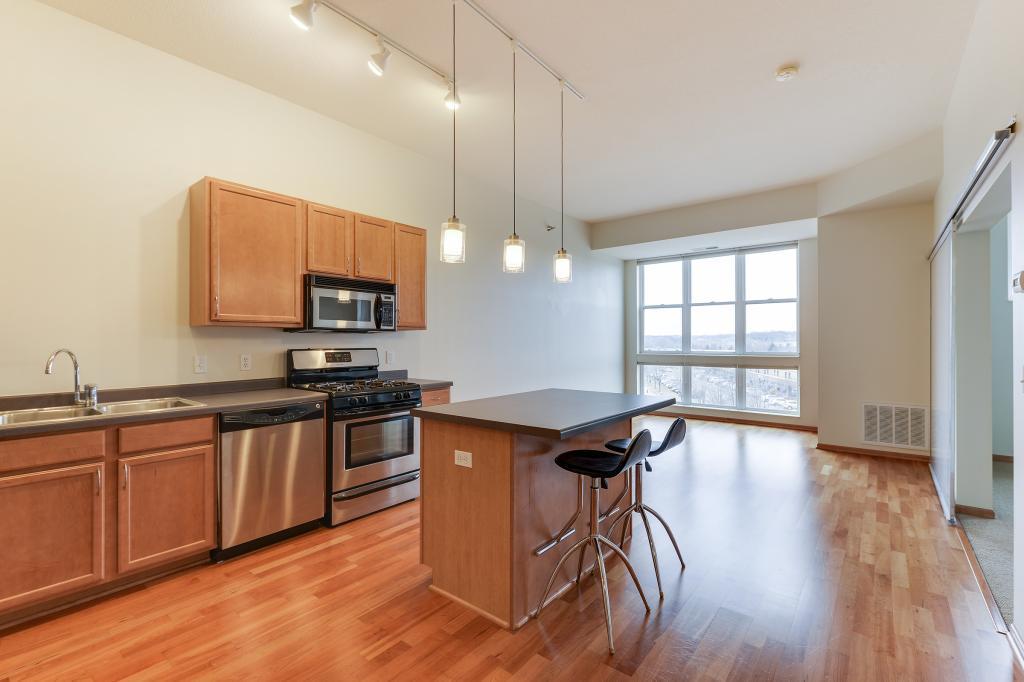2650 University Avenue W #421 Property Photo - Saint Paul, MN real estate listing