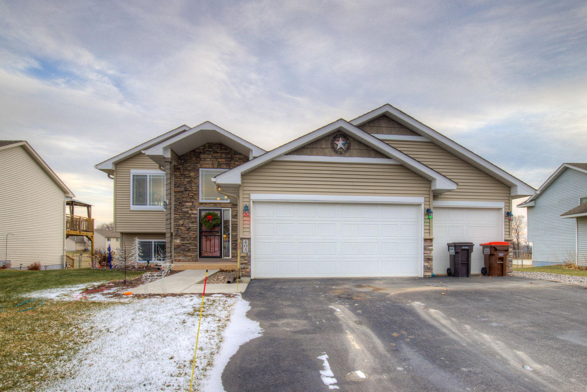 405 66th Street SW Property Photo - Waverly, MN real estate listing