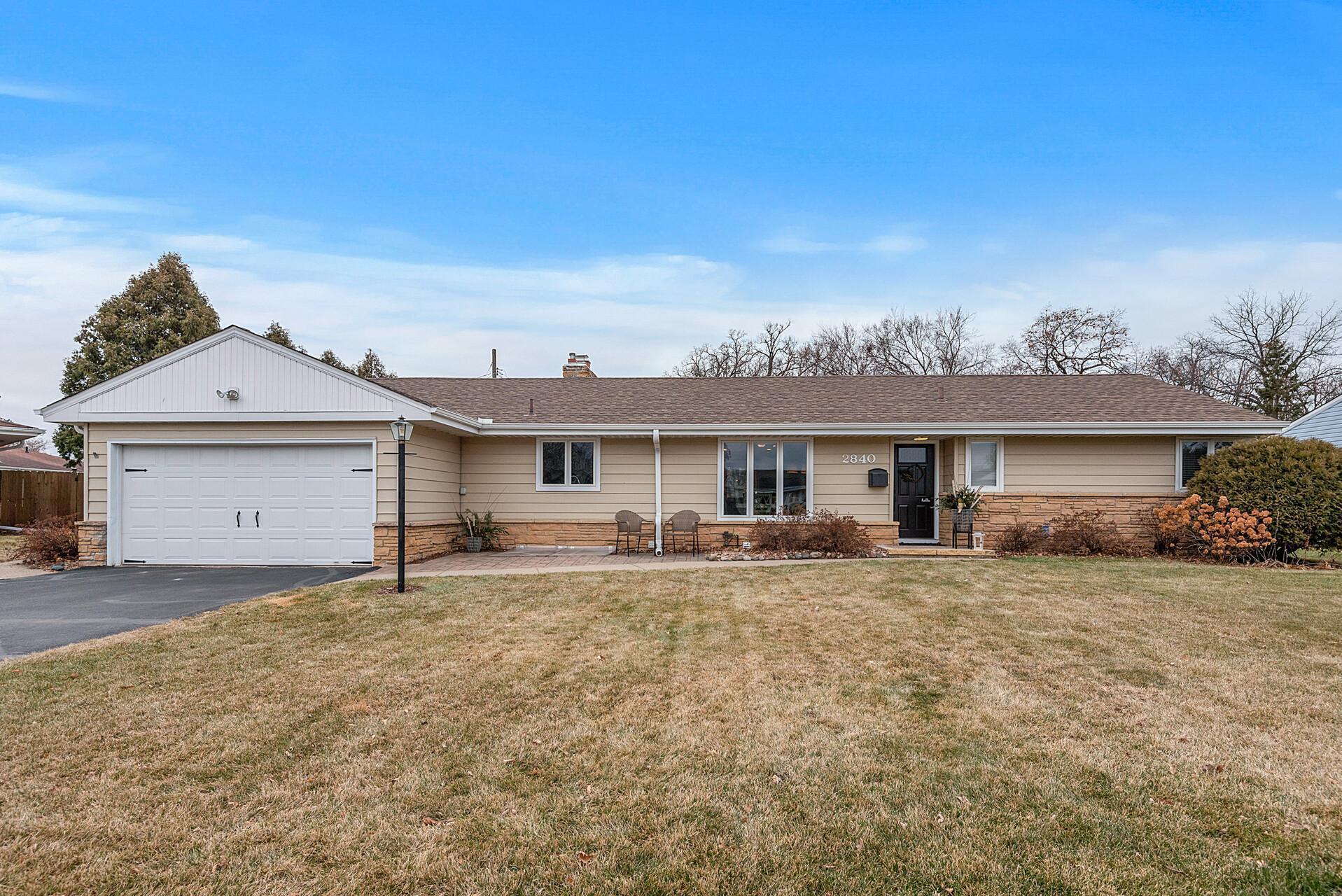 2840 Aquila Avenue S Property Photo - Saint Louis Park, MN real estate listing