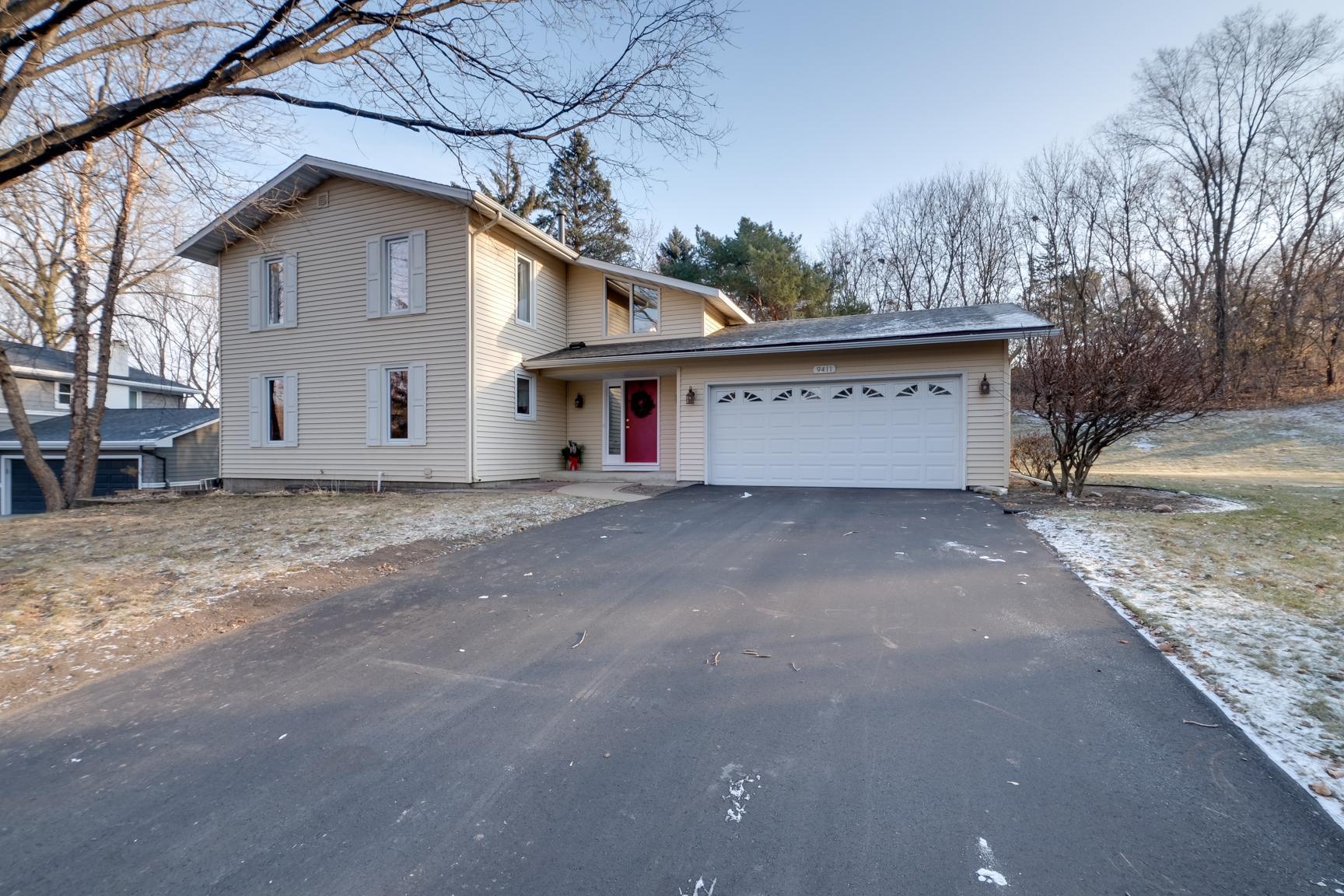 9411 Briar Circle Property Photo - Bloomington, MN real estate listing