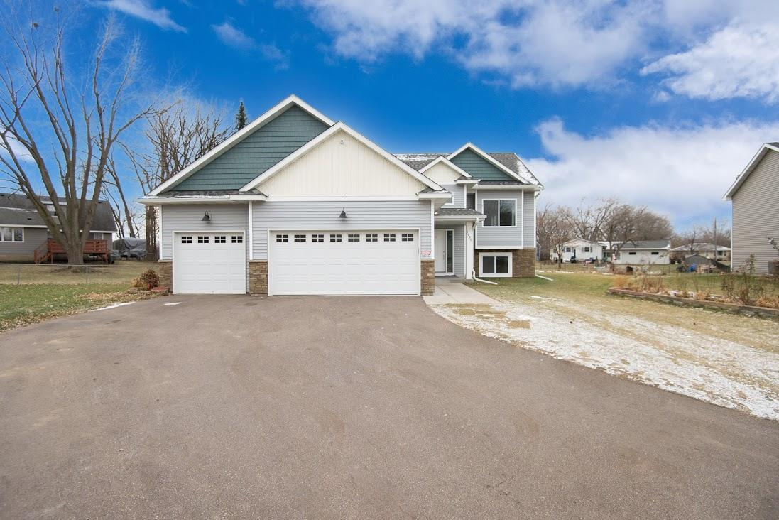 1095 5th Avenue Property Photo - Newport, MN real estate listing