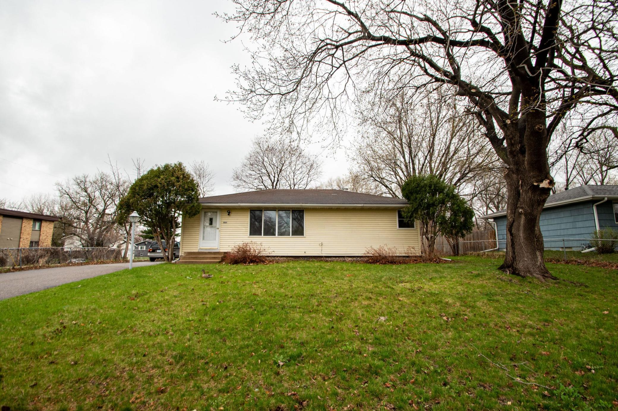 1001 Lynde Drive NE Property Photo - Fridley, MN real estate listing