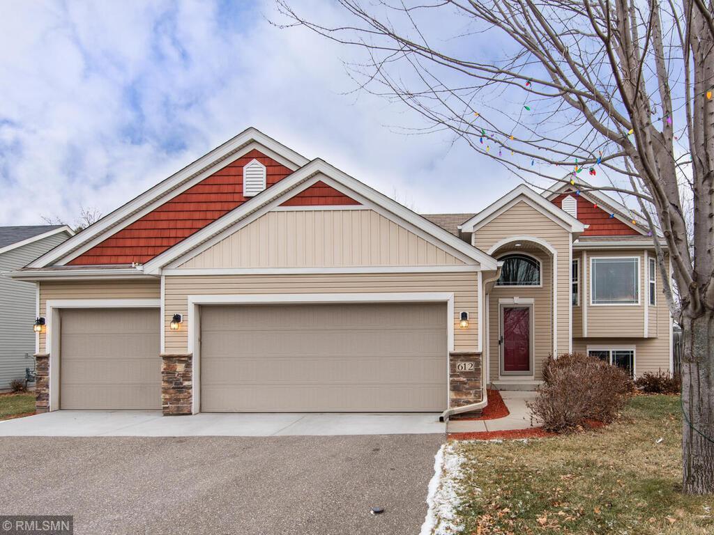 612 Dillon Avenue N Property Photo - Montrose, MN real estate listing
