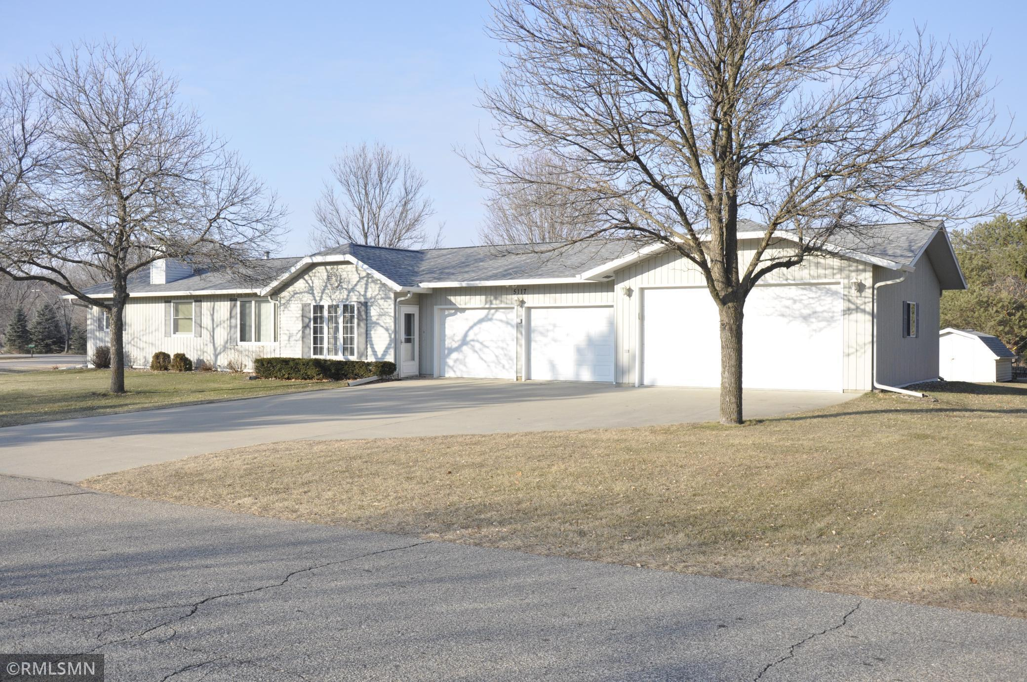 5117 14th Street SE Property Photo - Rochester, MN real estate listing