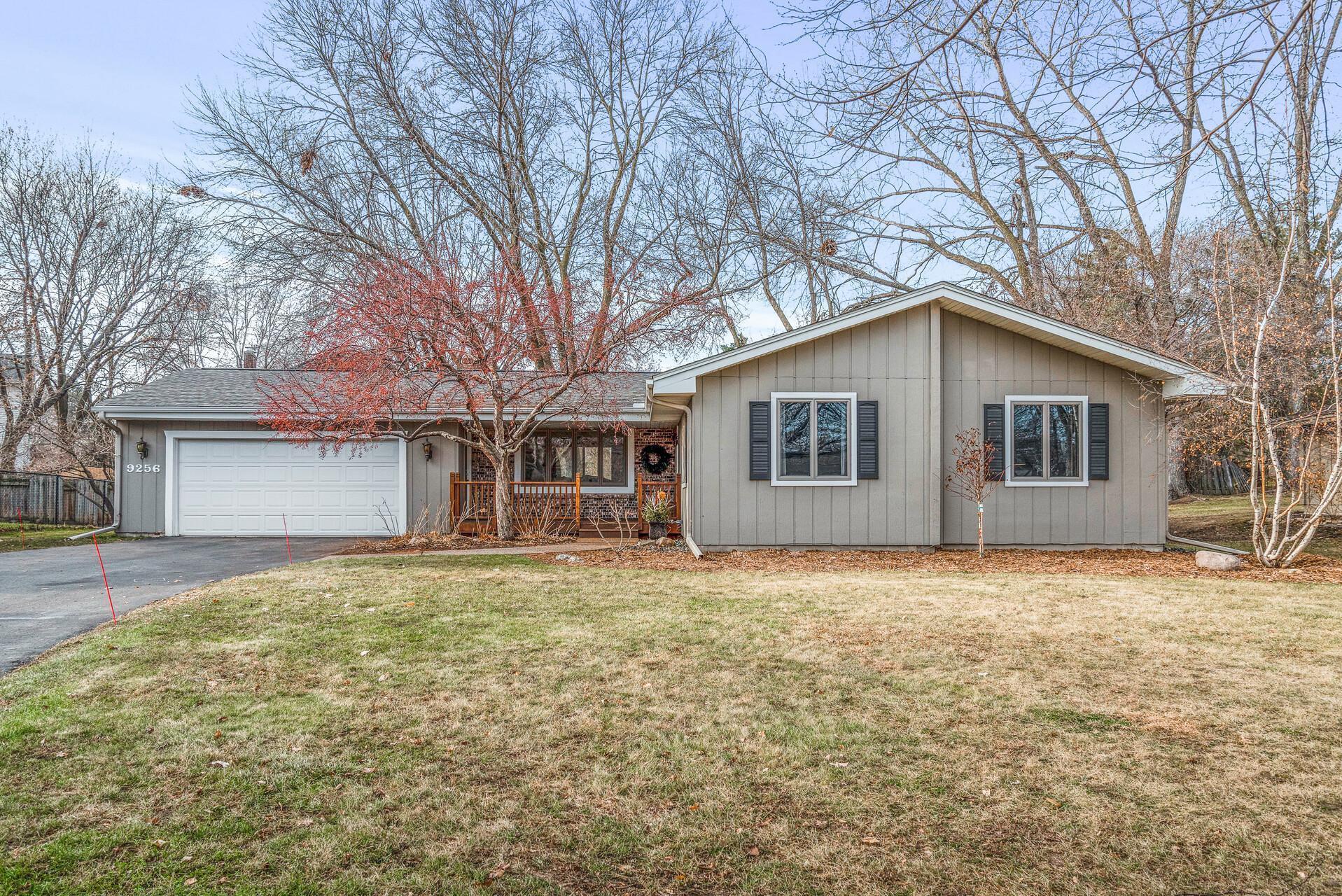 9256 Green Briar Road Property Photo - Bloomington, MN real estate listing