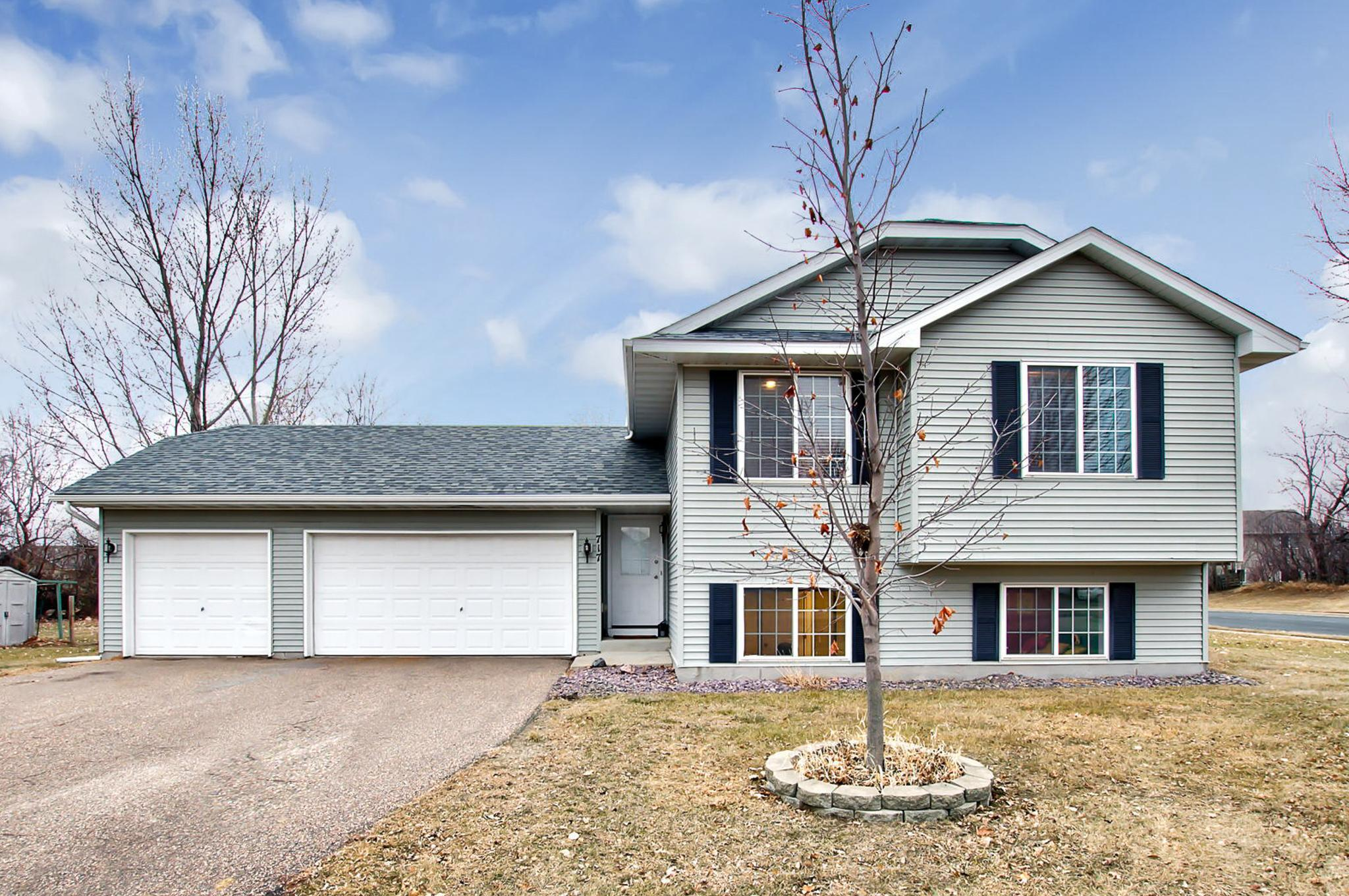 717 7th Street N Property Photo - Montrose, MN real estate listing