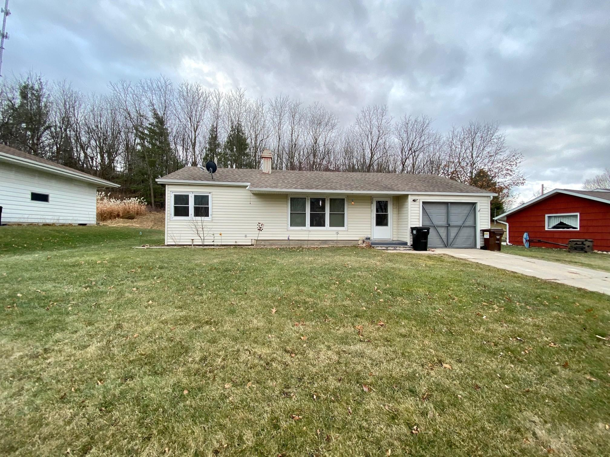 328 W Melby Property Photo - Mabel, MN real estate listing