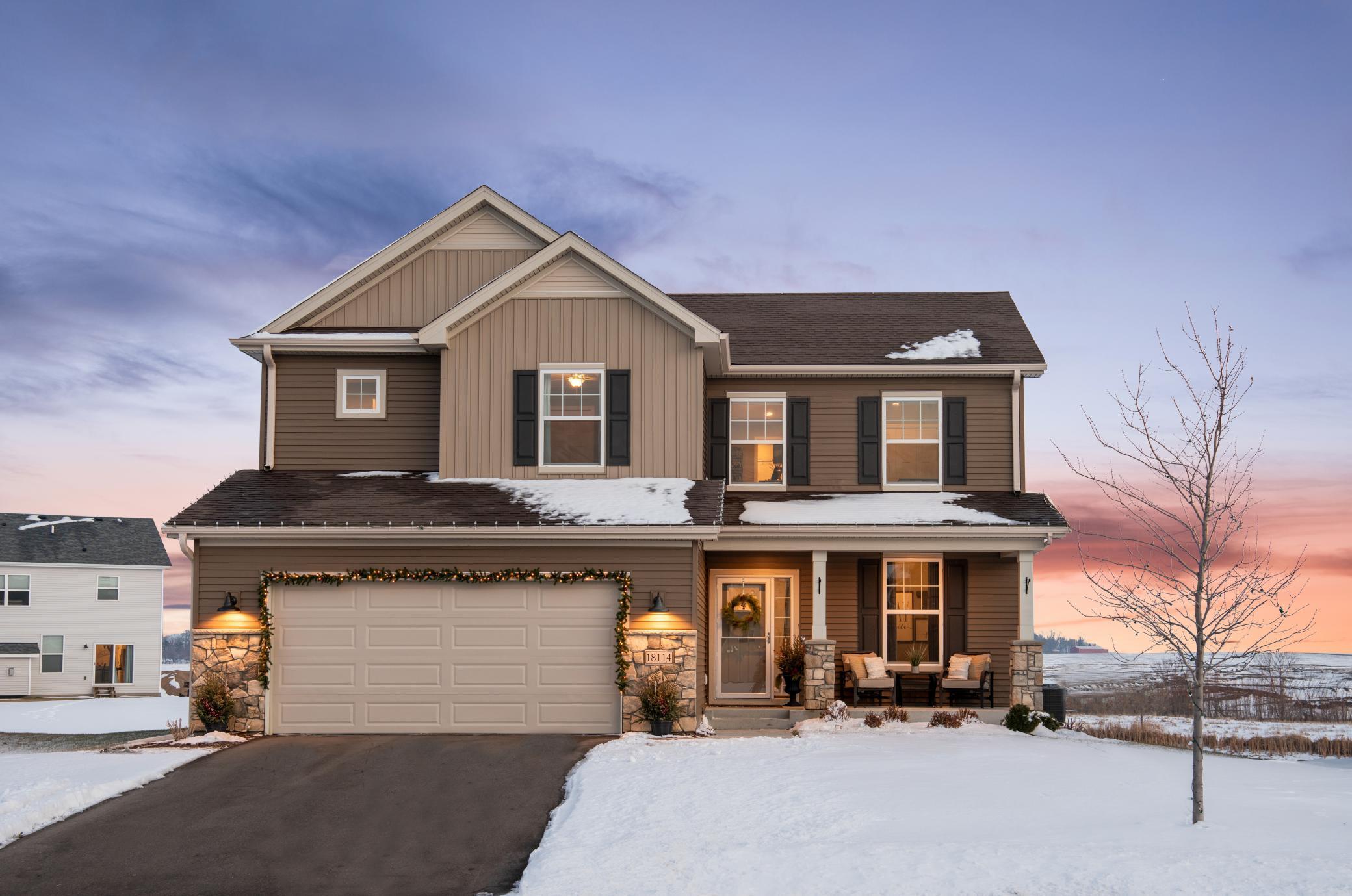 18114 Gladstone Trail Property Photo - Lakeville, MN real estate listing