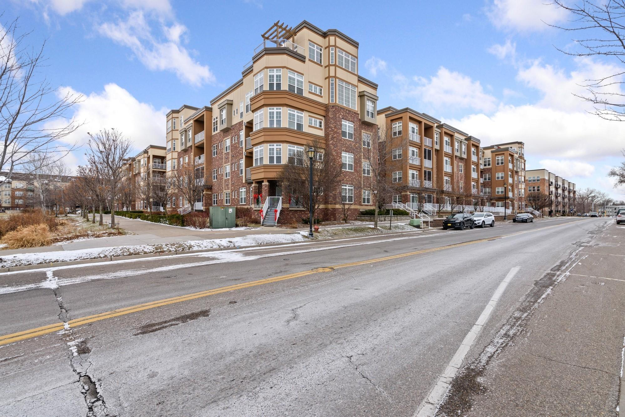 2407 39th Avenue NE #213 Property Photo - Saint Anthony, MN real estate listing