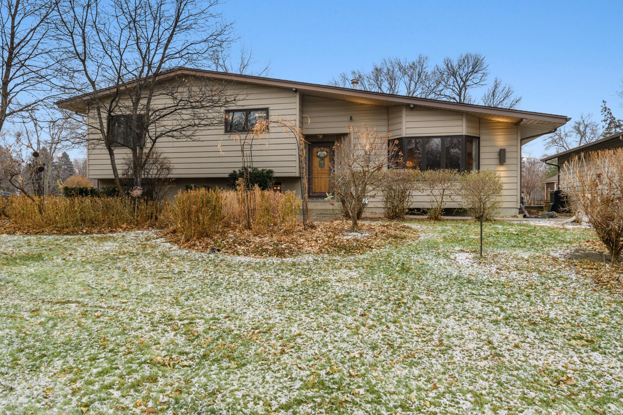 8901 47th Avenue N Property Photo - New Hope, MN real estate listing