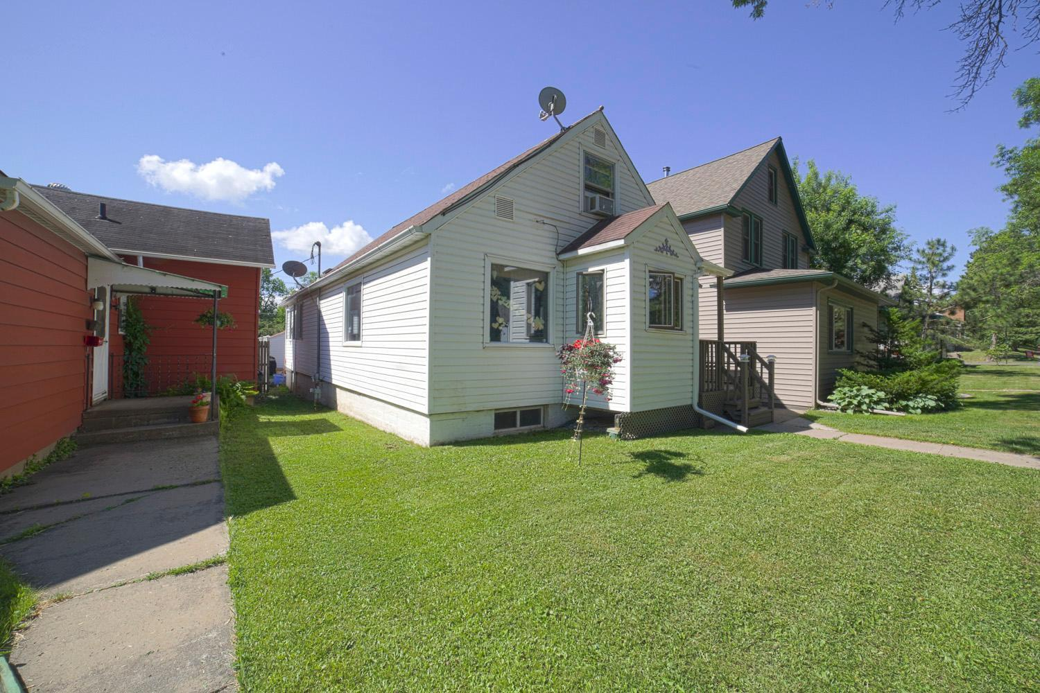 618 NE 15th Street N Property Photo - Virginia, MN real estate listing