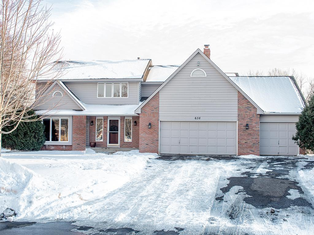 638 Quail Ridge Circle Property Photo - Mendota Heights, MN real estate listing