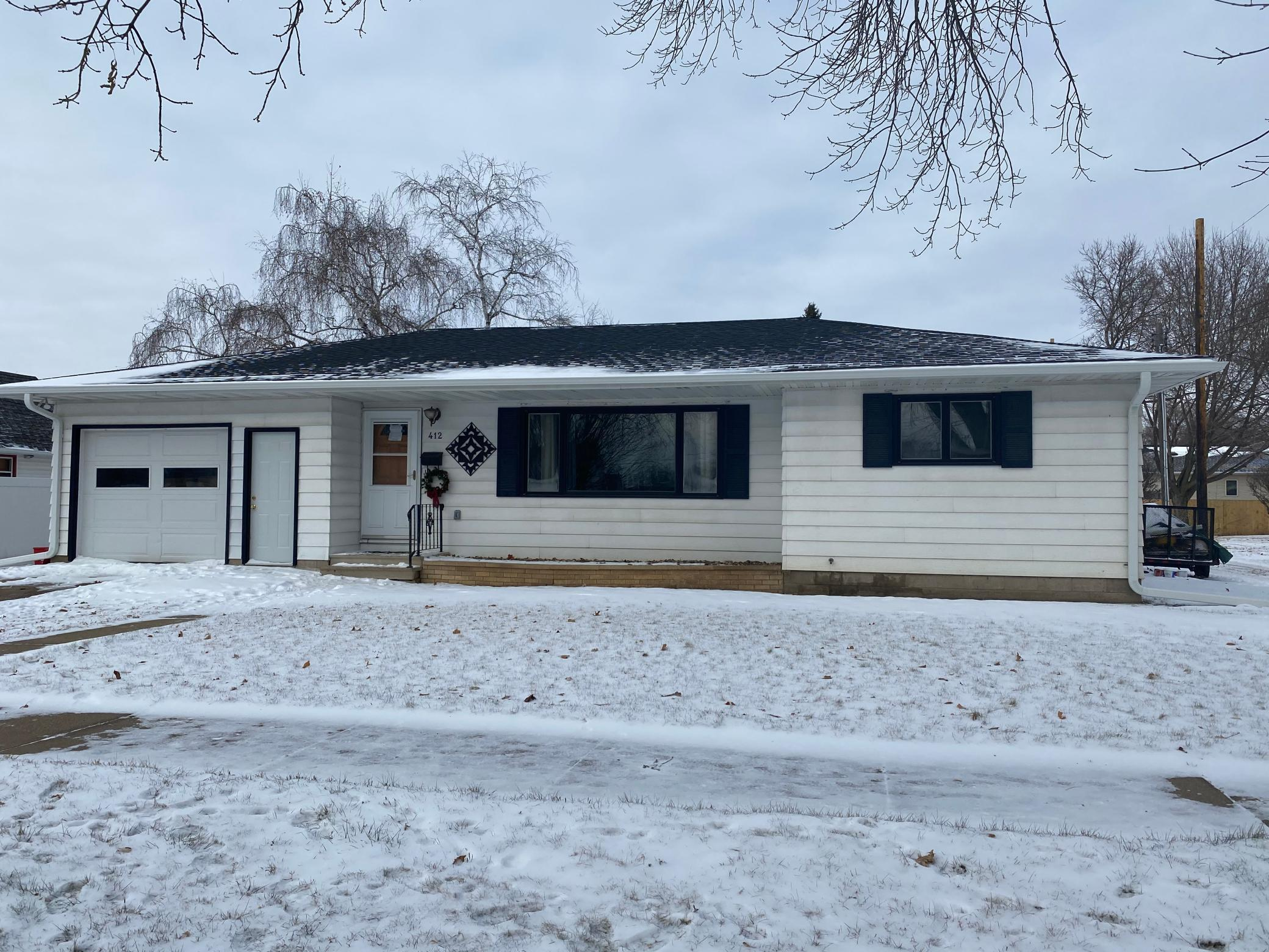 412 W Jewell Avenue Property Photo - Lake City, MN real estate listing