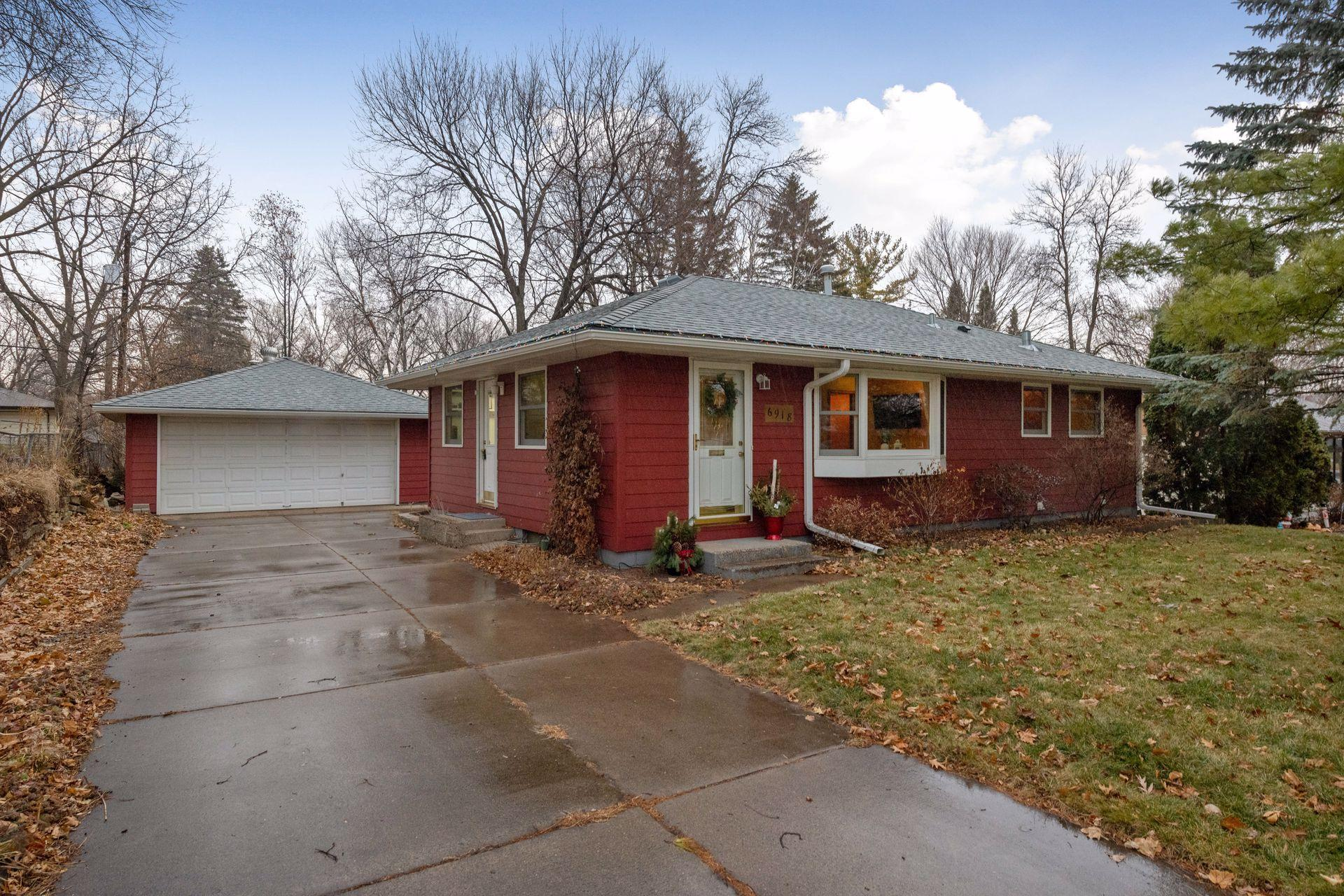 6918 34th Avenue N Property Photo - Crystal, MN real estate listing