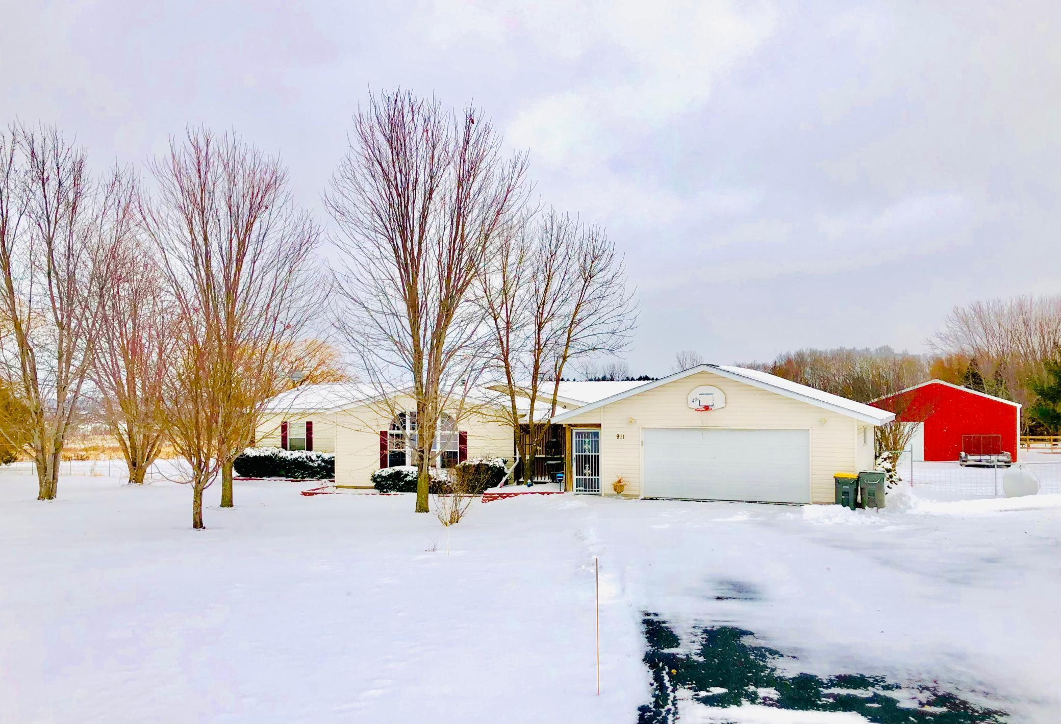 911 200th Street Property Photo - Baldwin, WI real estate listing