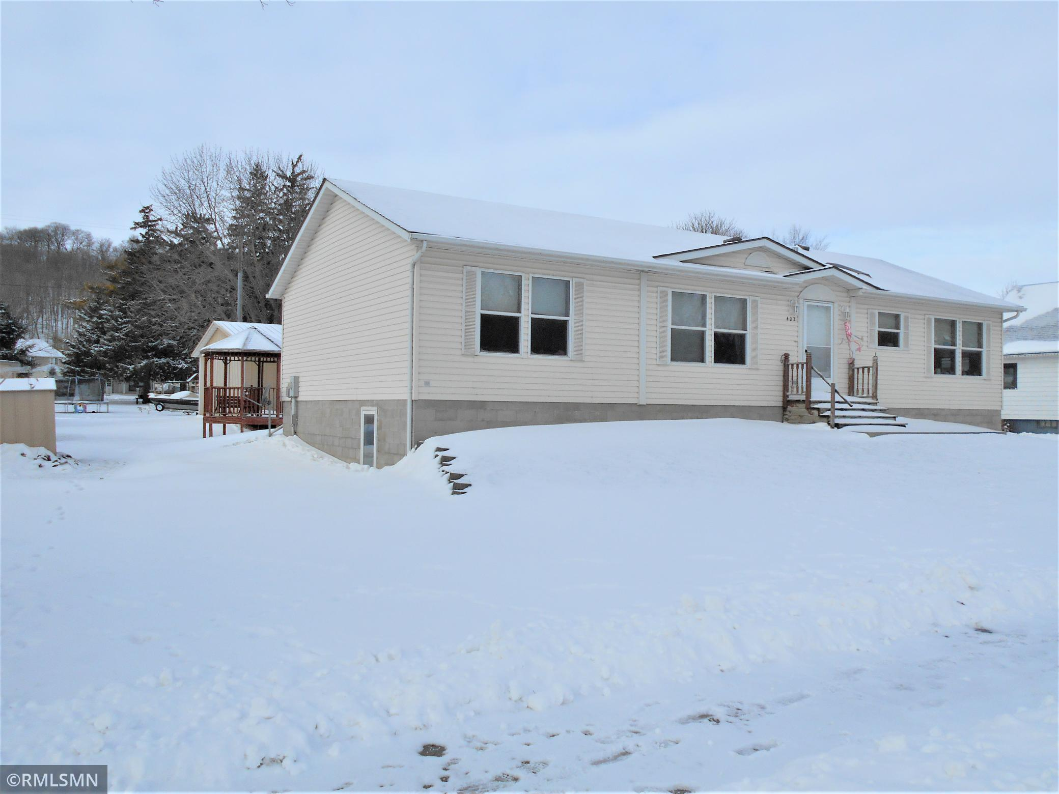 402 N 5th Street Property Photo - Henderson, MN real estate listing
