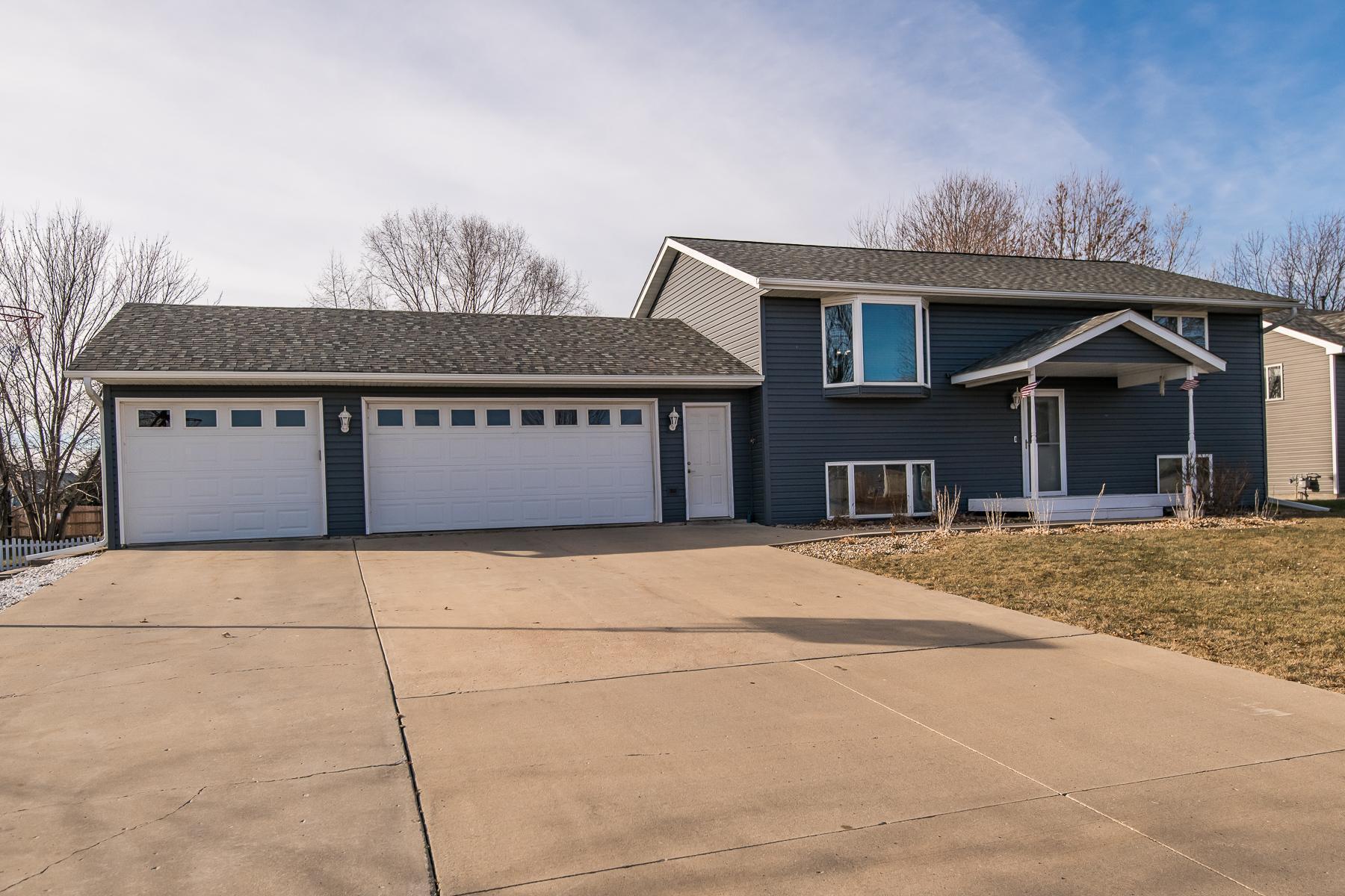 303 10th Avenue NE Property Photo - Kasson, MN real estate listing