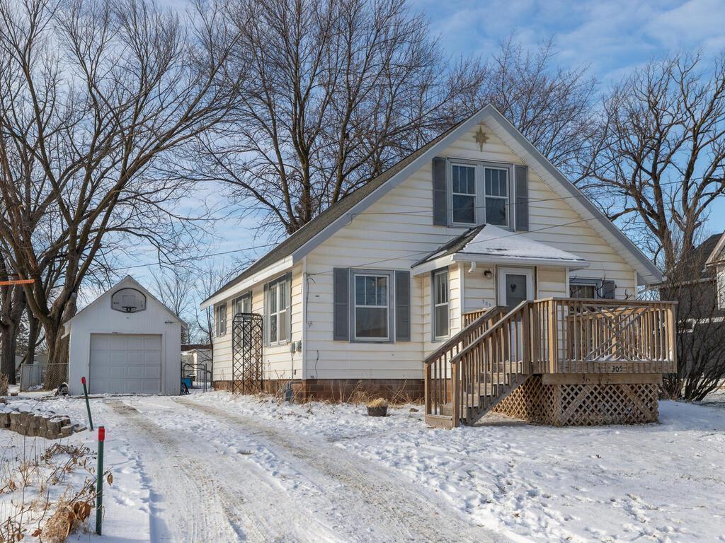 305 1st Avenue NE Property Photo - Dodge Center, MN real estate listing