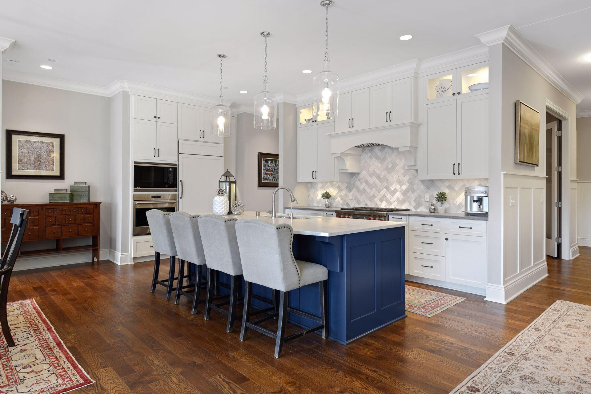 935 Lake Street E #205 Property Photo