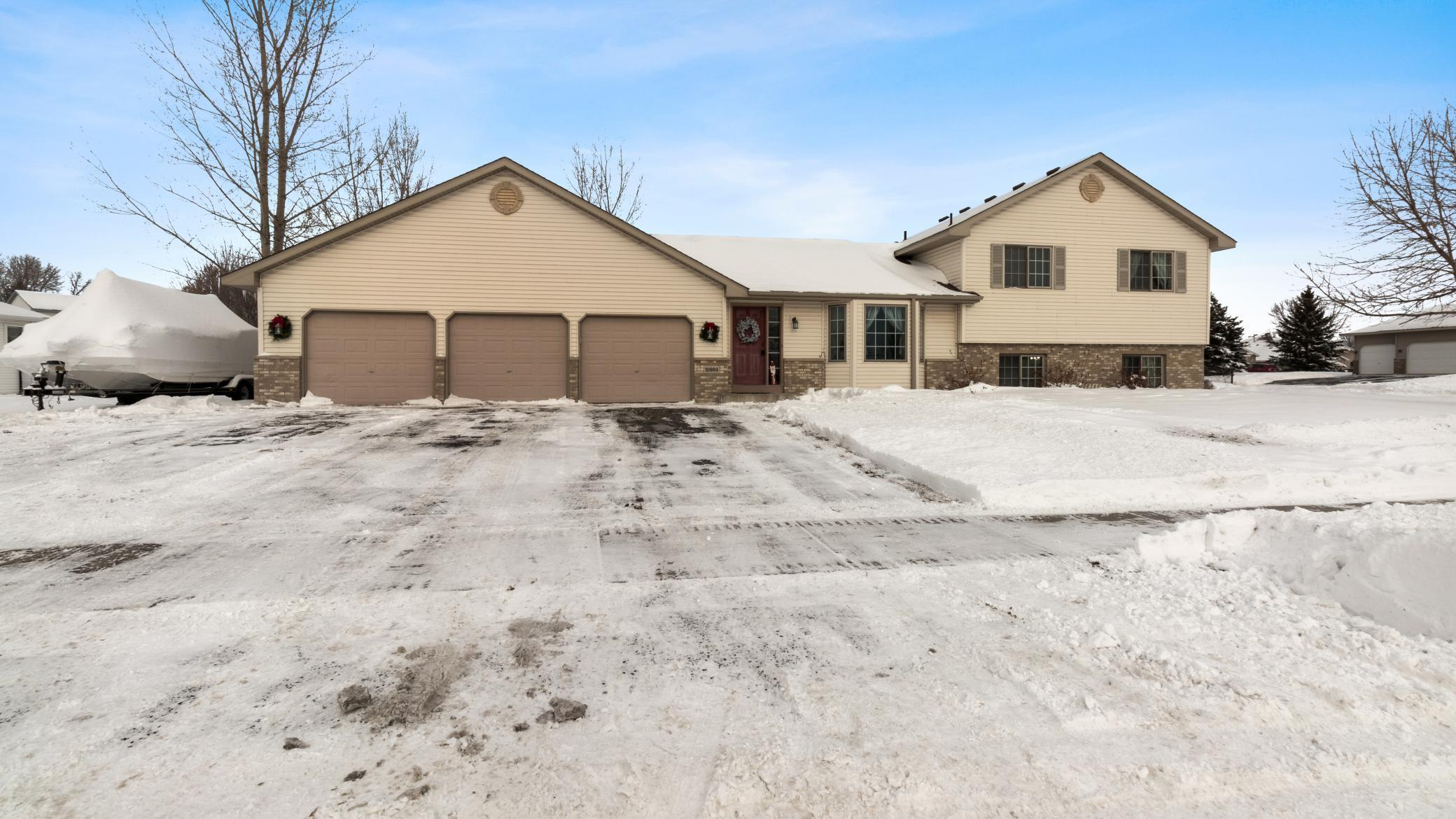 10894 Kali Avenue NE Property Photo - Albertville, MN real estate listing