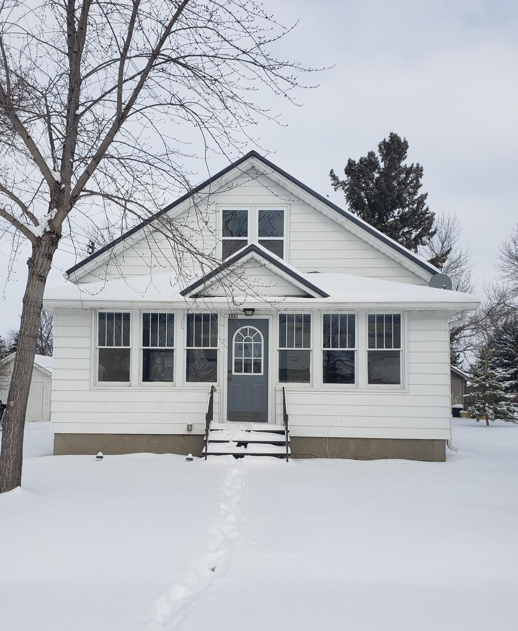 336 Cossairt Avenue W Property Photo - Eden Valley, MN real estate listing