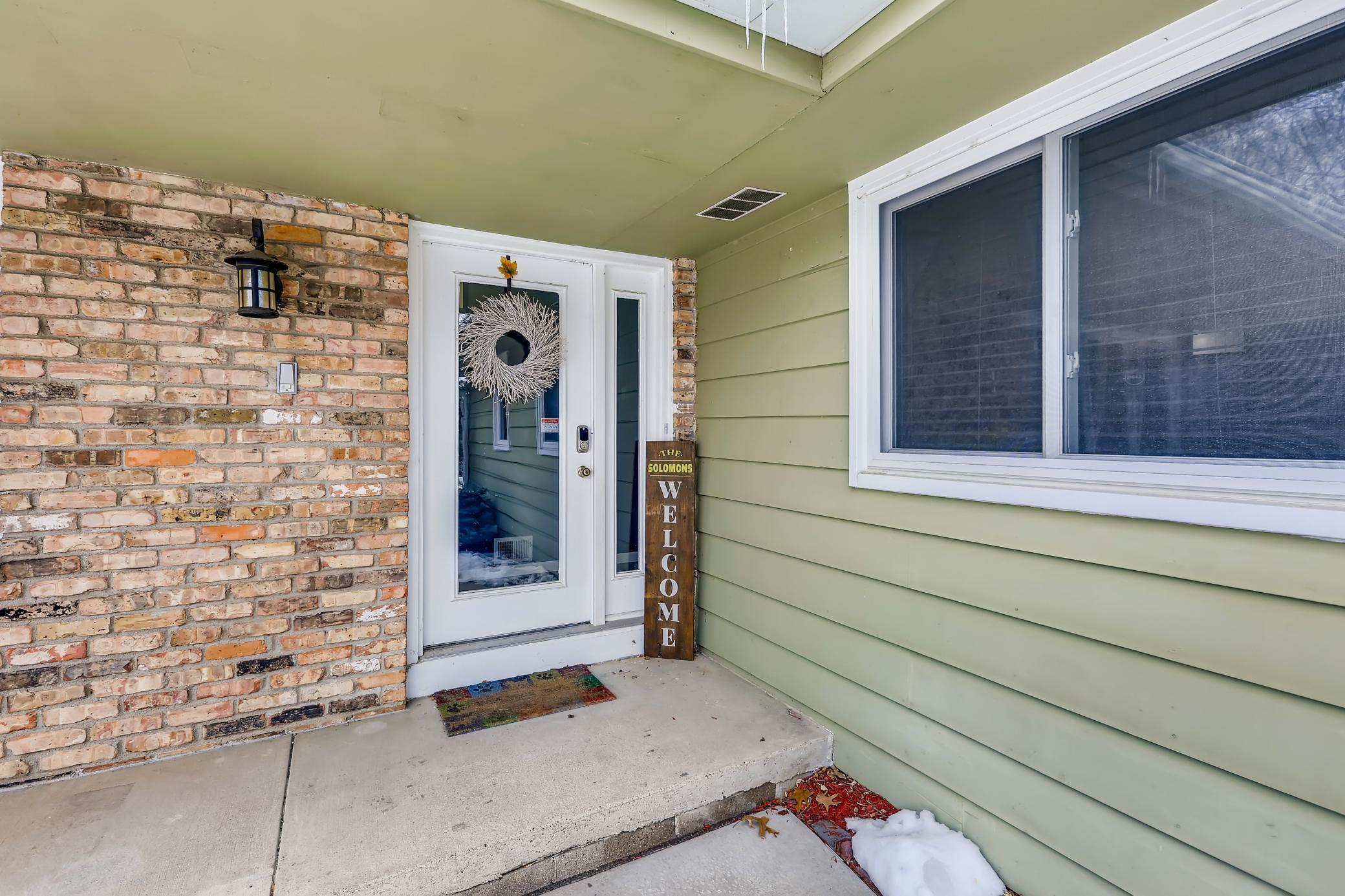 4708 W 102nd Street Property Photo - Bloomington, MN real estate listing